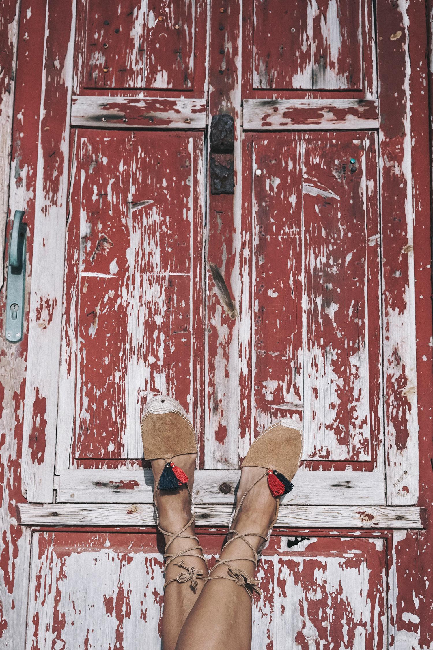 Lace_up_Blouse-Ralph_Lauren-Soludos_Espadrilles-Soludos_Escapes-Skirt-Straw_Hat-Canotier-Lack_Of_Color-Street_Style-Mykonos-Greece-Collage_Vintage-171