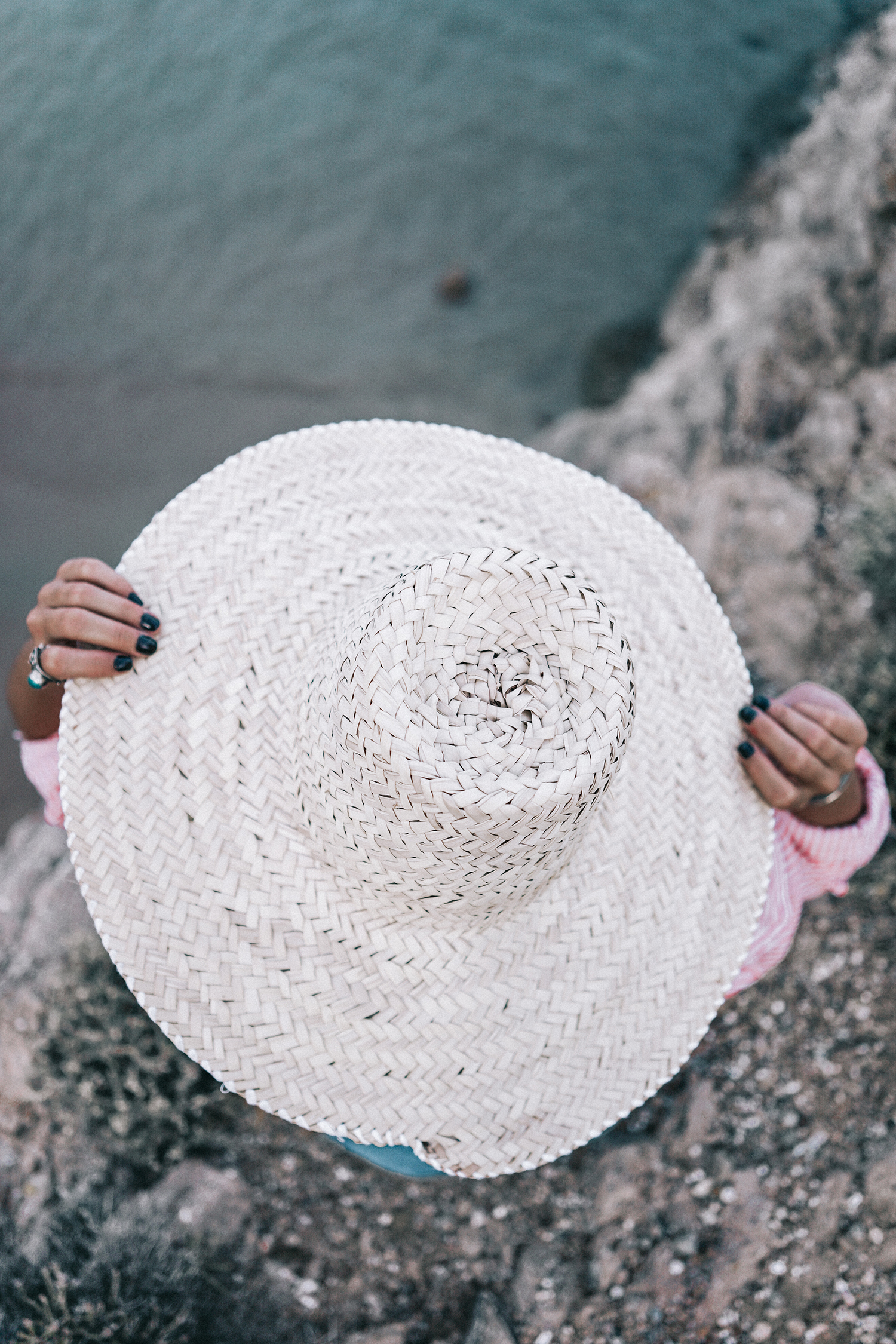 Mykonos-Collage_on_The_Road-Striped_Shirt-GRLFRND_Shorts-Straw_Hat-13