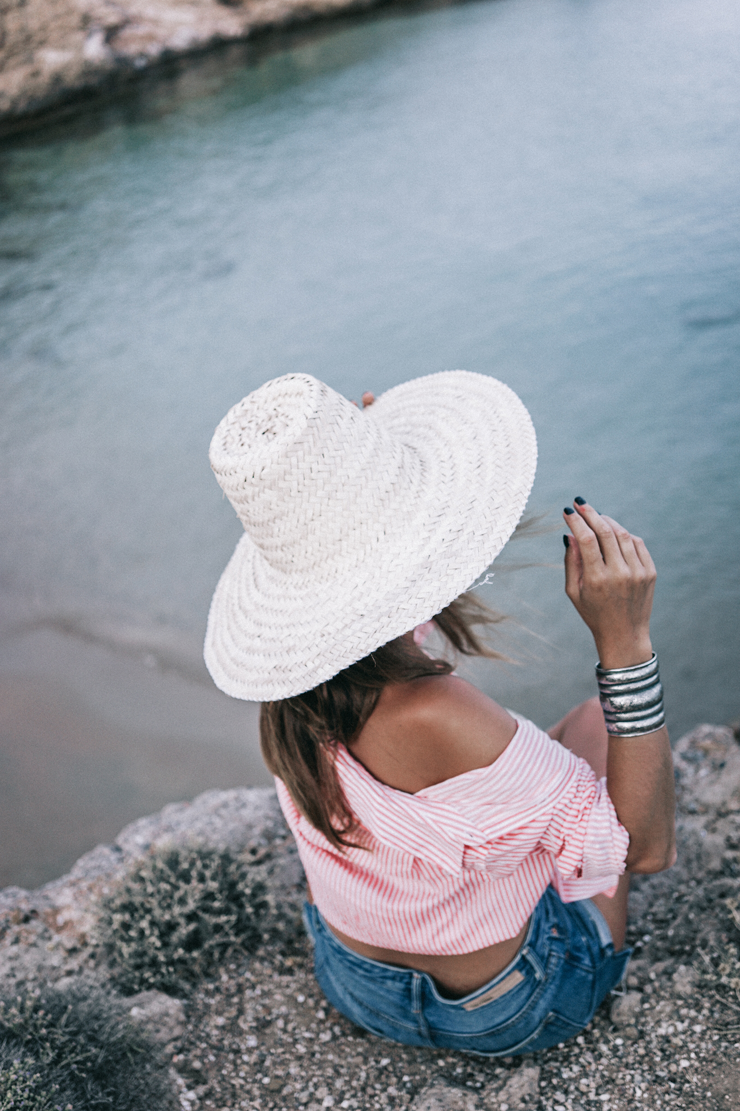 Mykonos-Collage_on_The_Road-Striped_Shirt-GRLFRND_Shorts-Straw_Hat-16