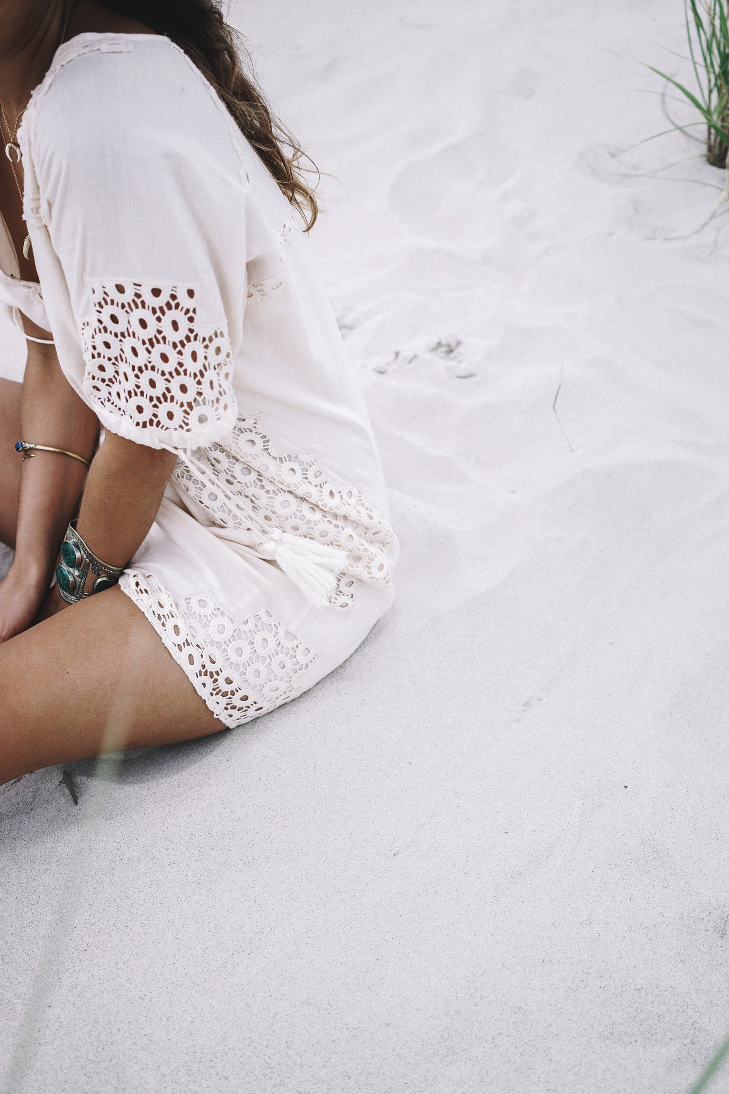 Revolve_in_The_Hamptons-Revolve_Clothing-Collage_Vintage-Cream_Dress-Tularosa-Canotier-136