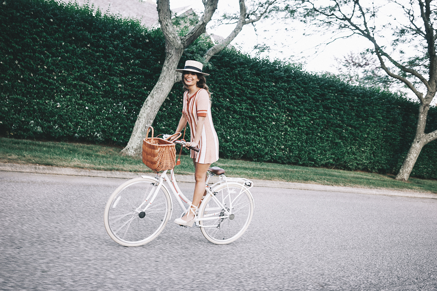 Revolve_in_The_Hamptons-Revolve_Clothing-Collage_Vintage-Free_People_Lace_Dress-Knitted_Dress-Soludos_Espadrilles-Canotier-Hat-Outfit-119