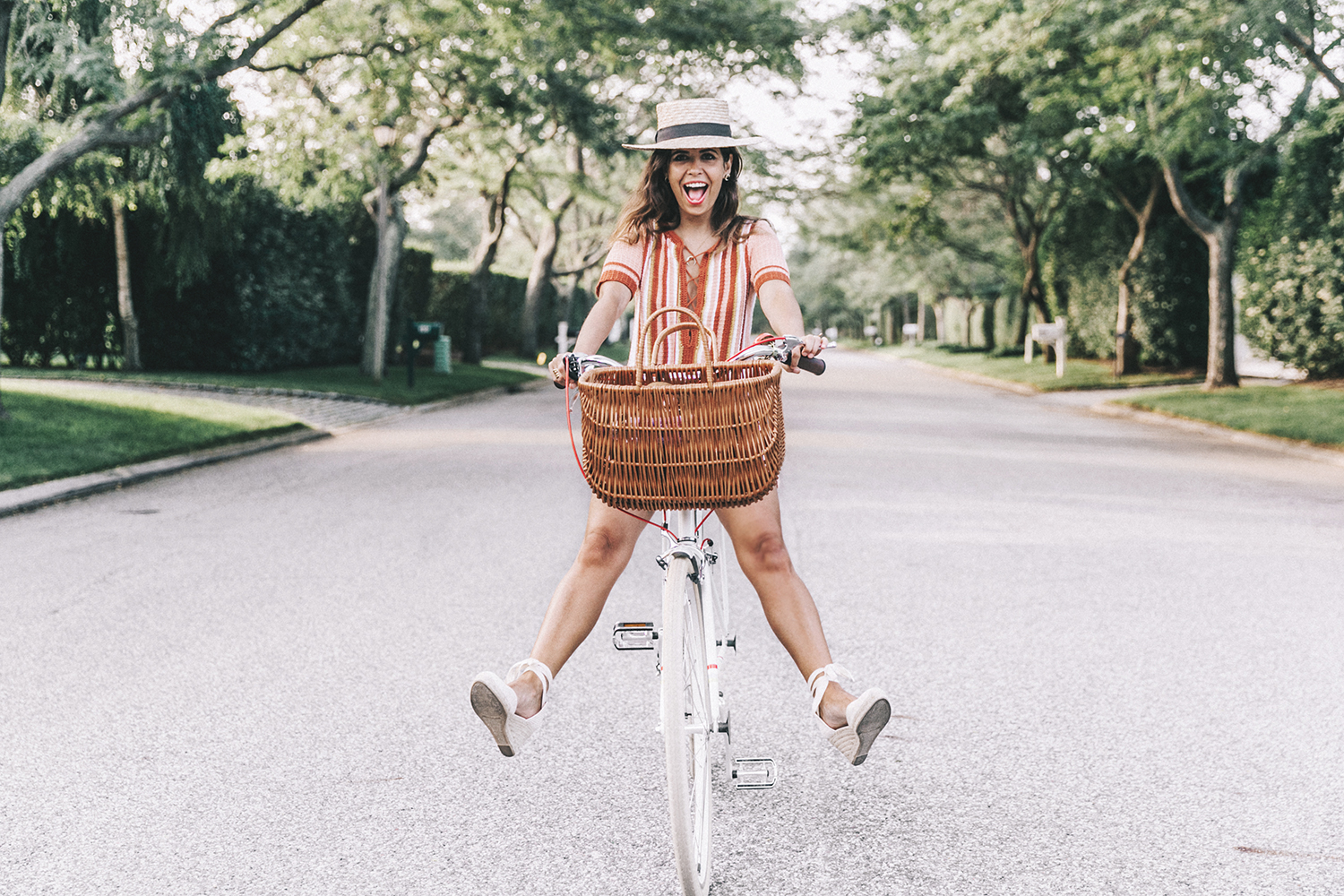 Revolve_in_The_Hamptons-Revolve_Clothing-Collage_Vintage-Free_People_Lace_Dress-Knitted_Dress-Soludos_Espadrilles-Canotier-Hat-Outfit-73