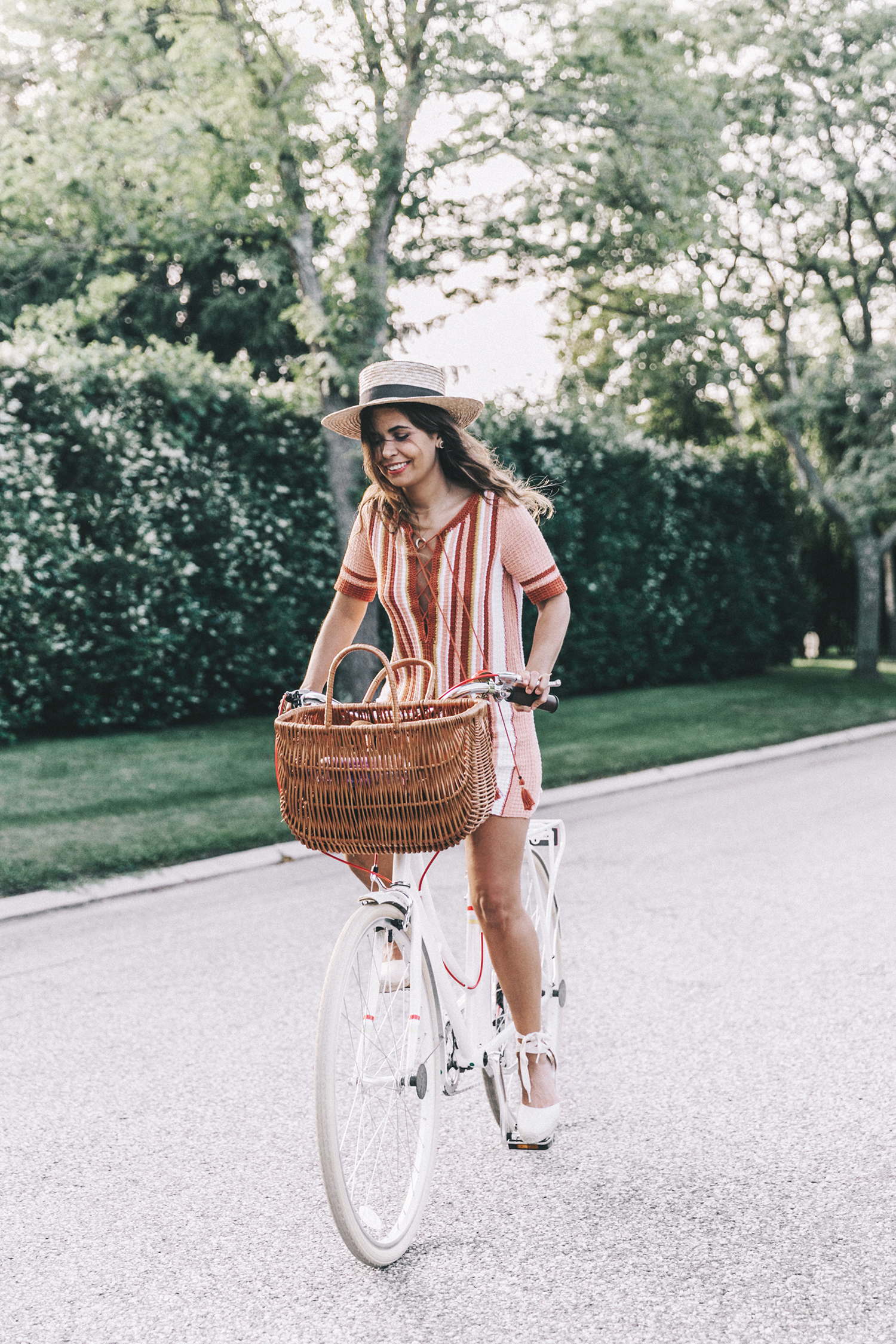 Revolve_in_The_Hamptons-Revolve_Clothing-Collage_Vintage-Free_People_Lace_Dress-Knitted_Dress-Soludos_Espadrilles-Canotier-Hat-Outfit-74