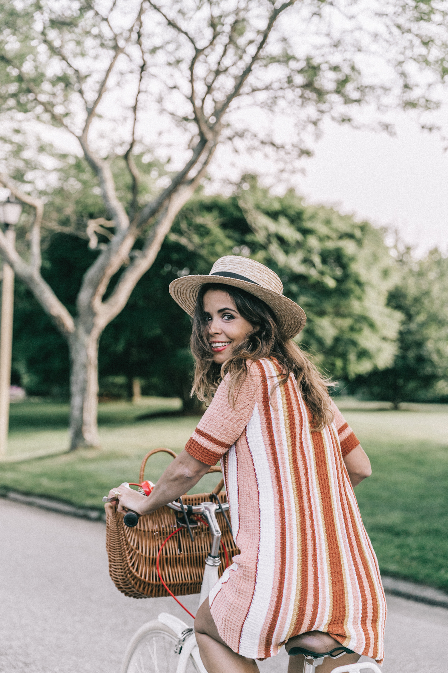 Revolve_in_The_Hamptons-Revolve_Clothing-Collage_Vintage-Free_People_Lace_Dress-Knitted_Dress-Soludos_Espadrilles-Canotier-Hat-Outfit-76