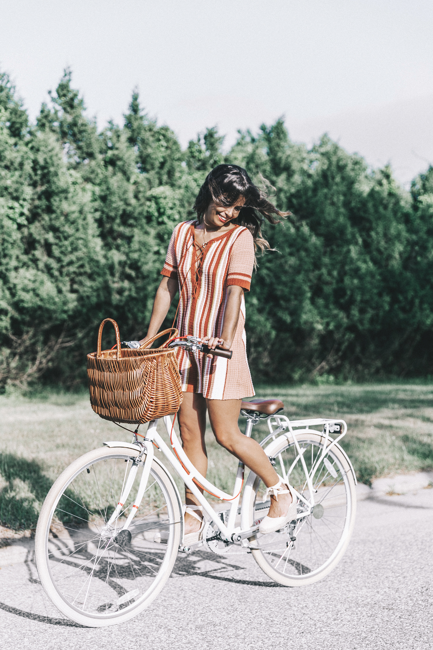 Revolve_in_The_Hamptons-Revolve_Clothing-Collage_Vintage-Free_People_Lace_Dress-Knitted_Dress-Soludos_Espadrilles-Canotier-Hat-Outfit-80