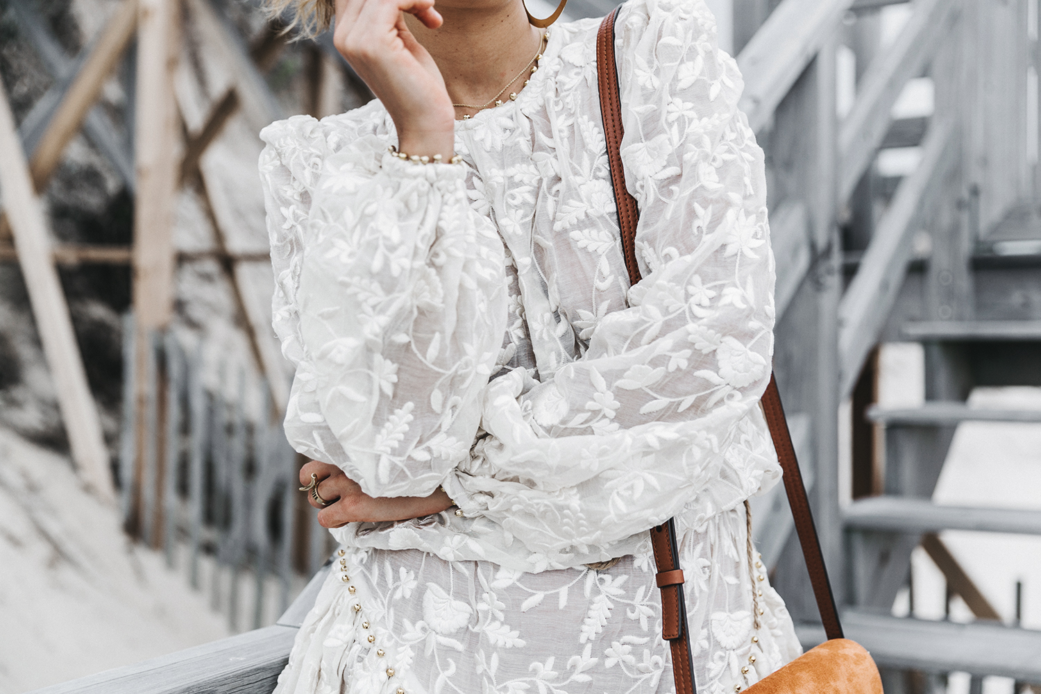 Revolve_in_The_Hamptons-Zimmermann-Embroidered_Dress-WHite_Dress-Chloe_Fay_Bag-Chloe_Wedges-Outfit-101