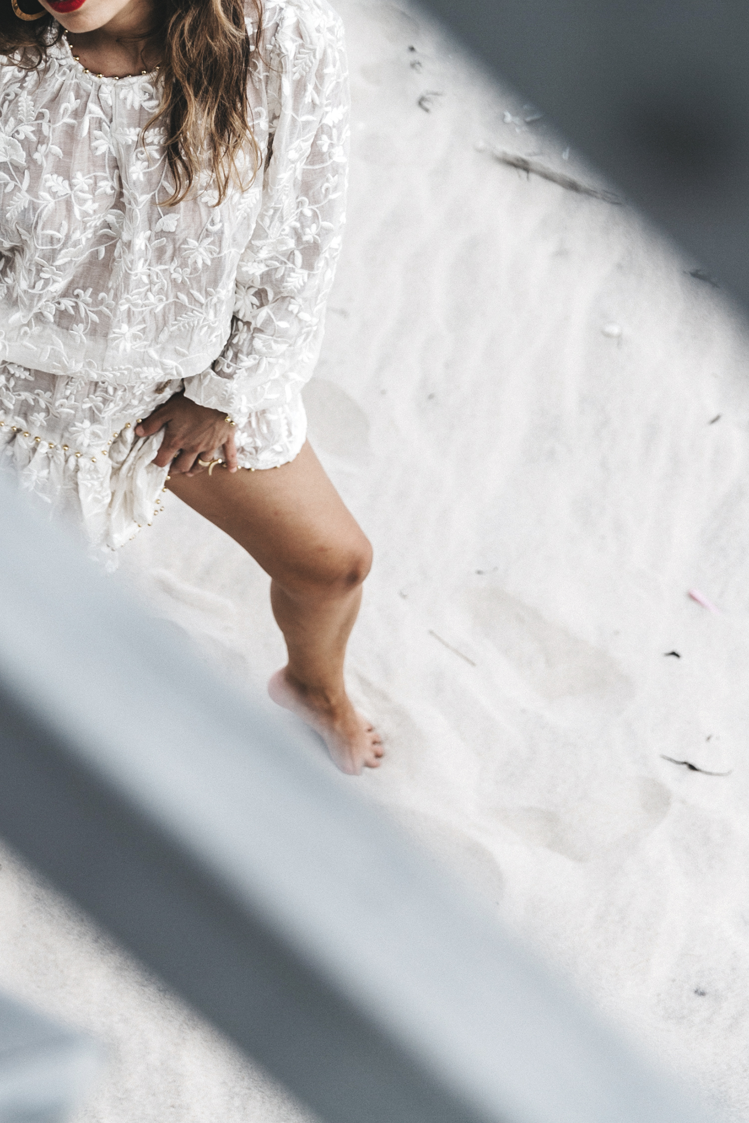 Revolve_in_The_Hamptons-Zimmermann-Embroidered_Dress-WHite_Dress-Chloe_Fay_Bag-Chloe_Wedges-Outfit-65