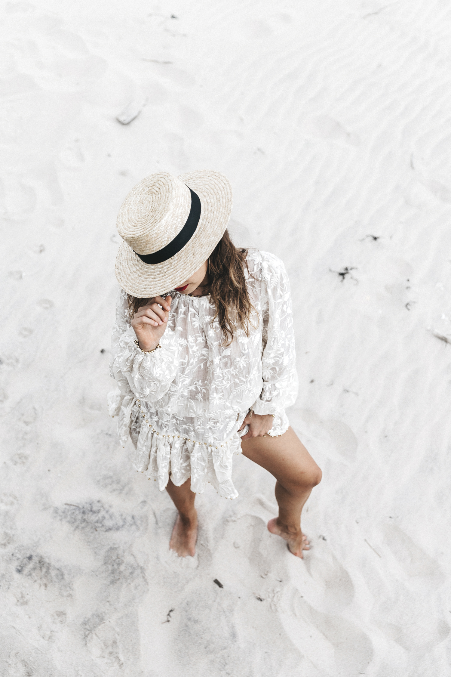 Revolve_in_The_Hamptons-Zimmermann-Embroidered_Dress-WHite_Dress-Chloe_Fay_Bag-Chloe_Wedges-Outfit-68