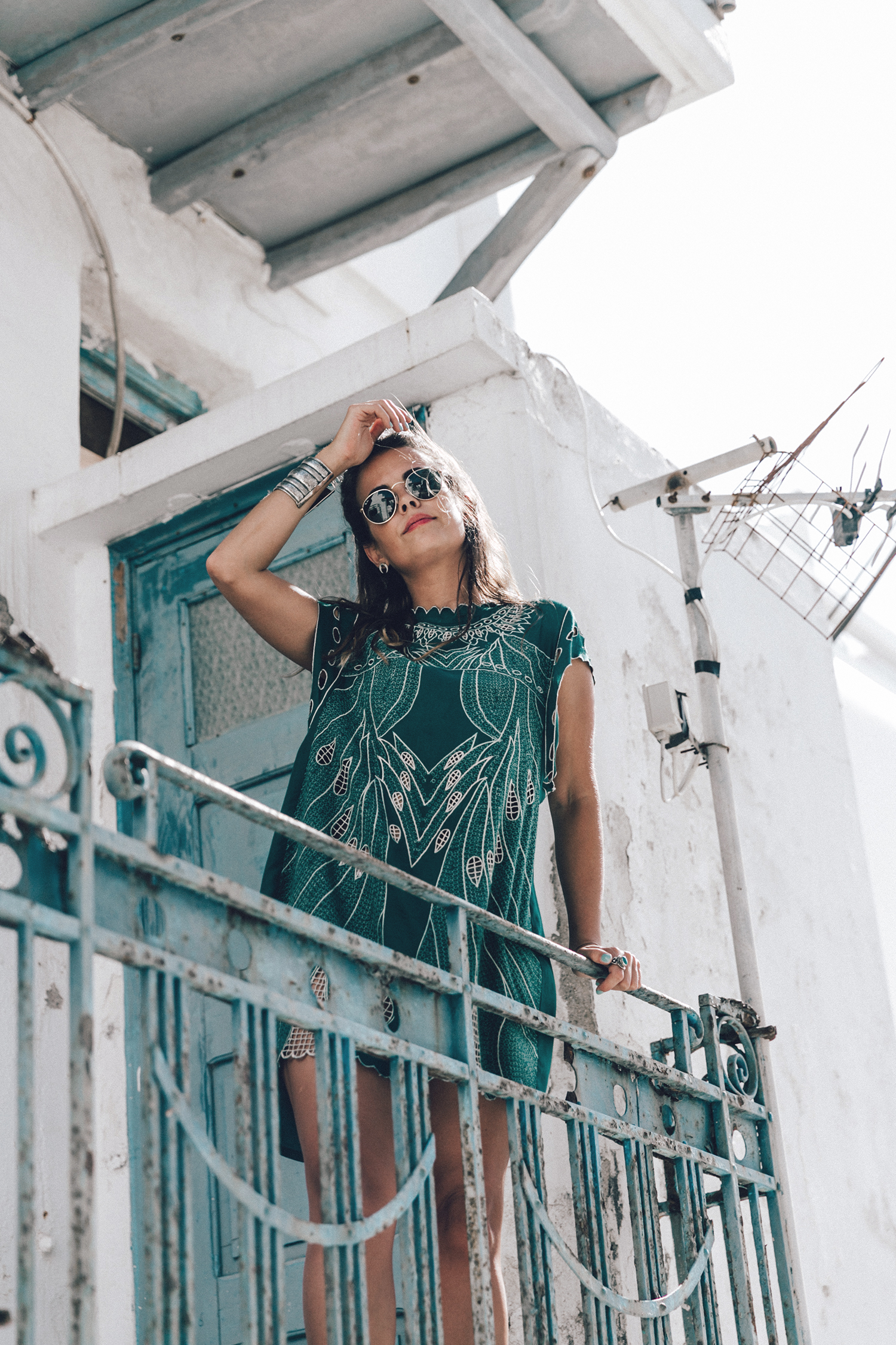 Tularosa_Dress-Soludos_Escapes-Soludos_Espadrilles-Sezane_Bag-Leather_Crossbody_Bag-Boho_Outfit-Look-Ray_Ban-Street_Style-Mykonos-Greece-Collage_Vintage-31
