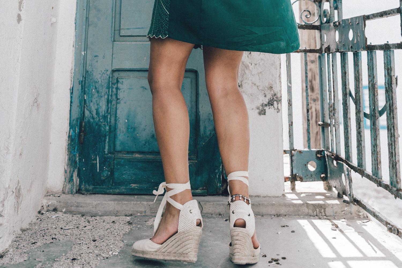 Tularosa_Dress-Soludos_Escapes-Soludos_Espadrilles-Sezane_Bag-Leather_Crossbody_Bag-Boho_Outfit-Look-Ray_Ban-Street_Style-Mykonos-Greece-Collage_Vintage-41