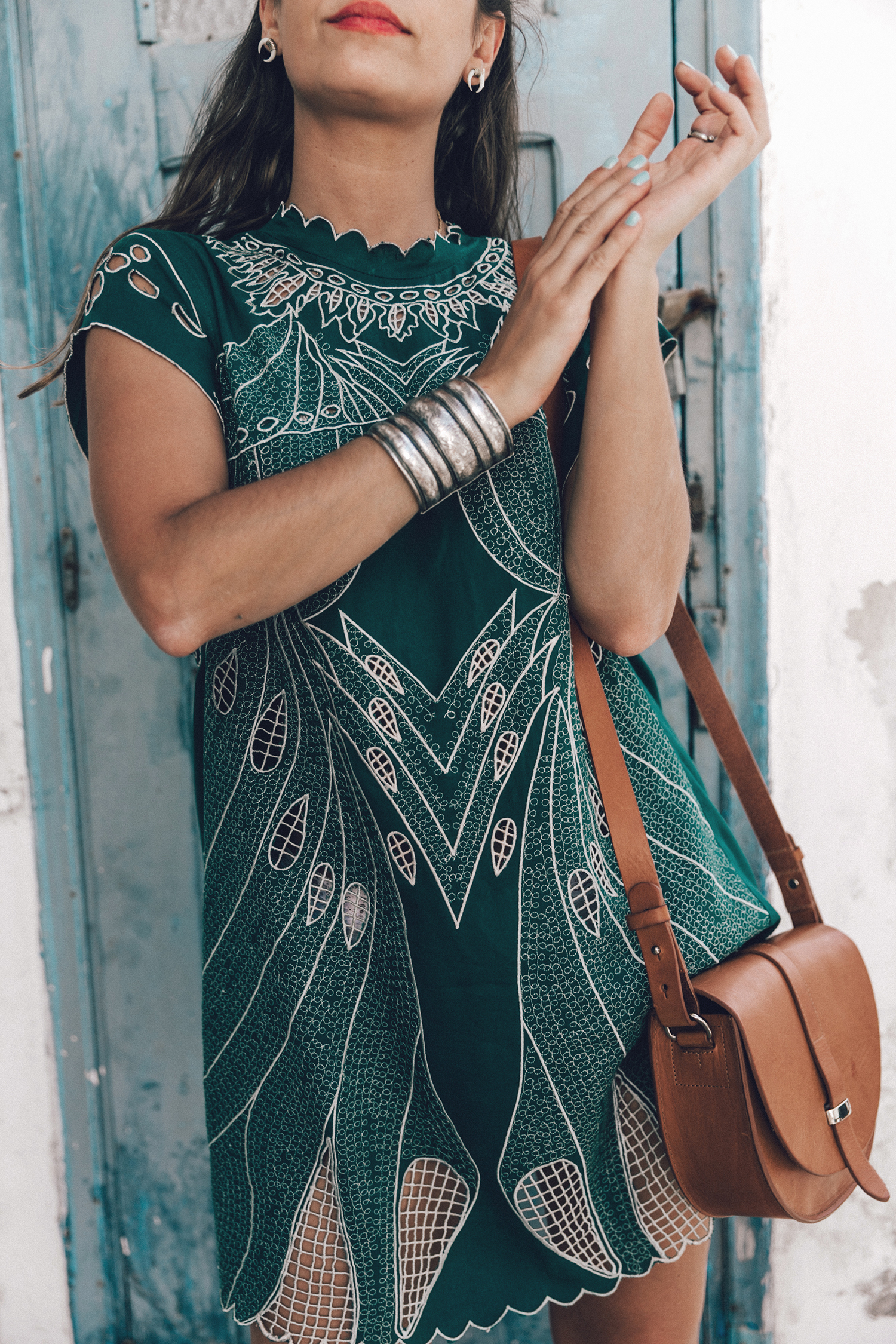 Tularosa_Dress-Soludos_Escapes-Soludos_Espadrilles-Sezane_Bag-Leather_Crossbody_Bag-Boho_Outfit-Look-Ray_Ban-Street_Style-Mykonos-Greece-Collage_Vintage-57