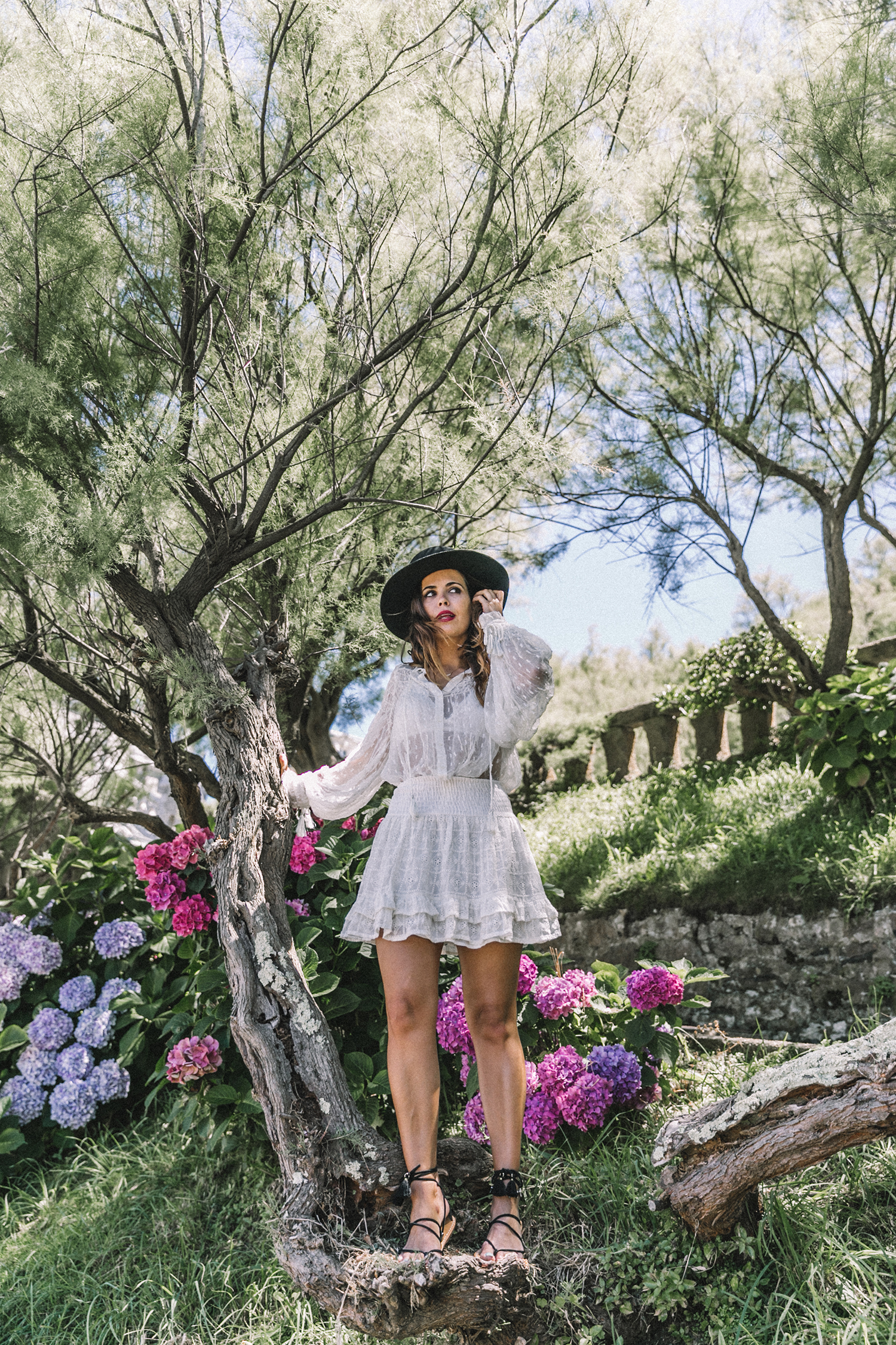 White_Outfit-Denim_Jacket-Lack_Of_Color_Hat-Outfit-Biarritz-Levis-Live_In_Levis-Street_Style-Summer-Boho_Skirt-Collage_Vintage-38