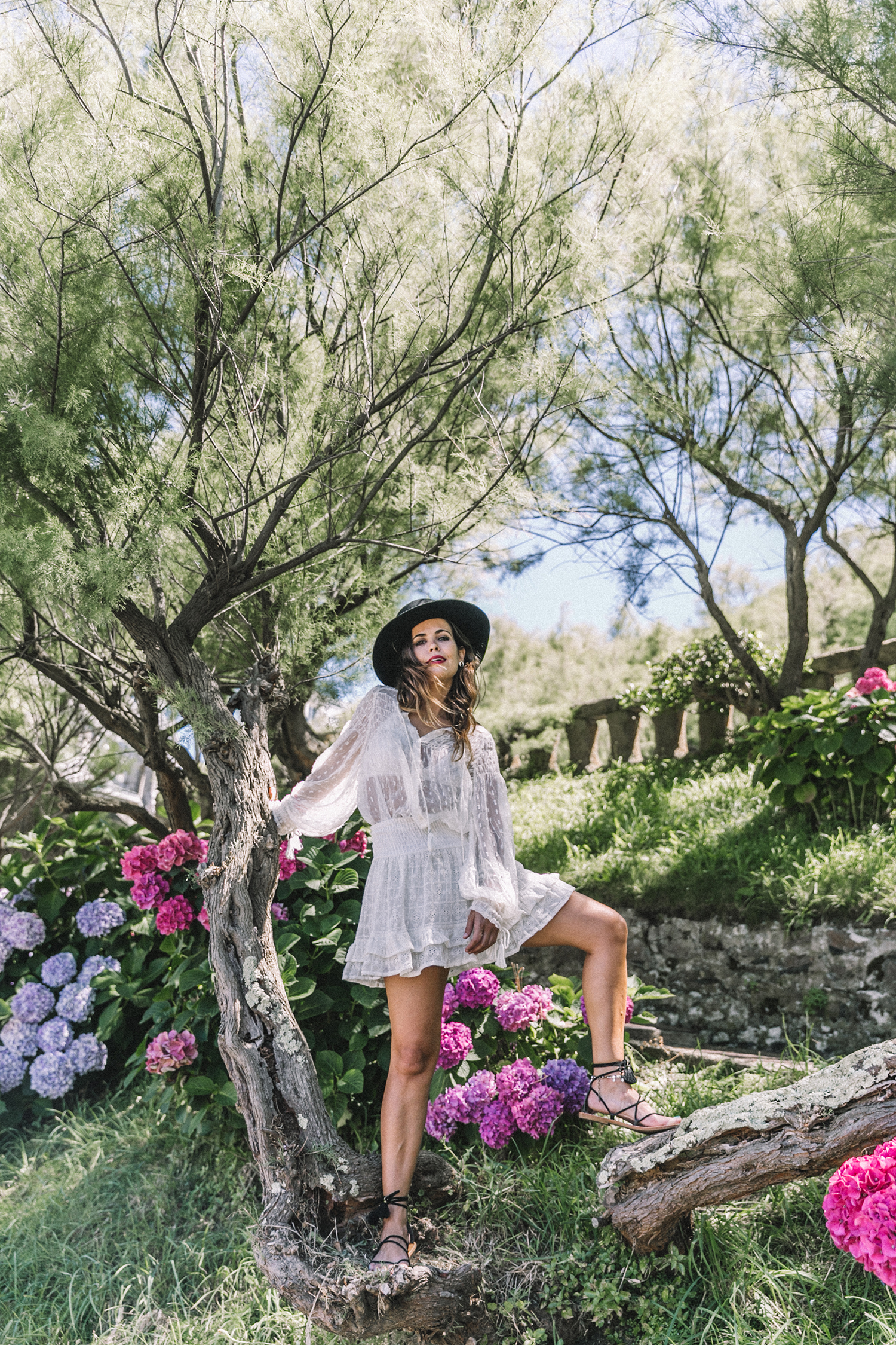 White_Outfit-Denim_Jacket-Lack_Of_Color_Hat-Outfit-Biarritz-Levis-Live_In_Levis-Street_Style-Summer-Boho_Skirt-Collage_Vintage-42