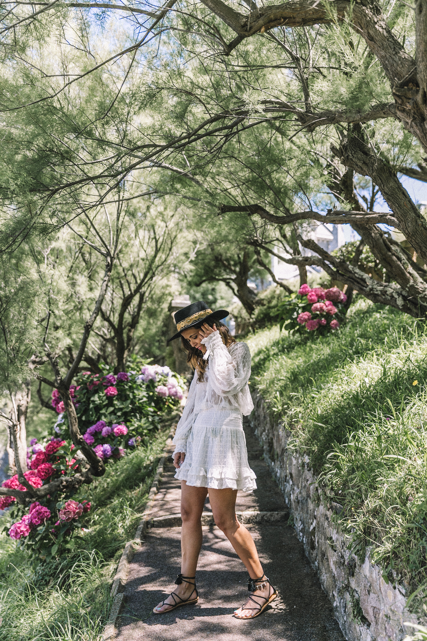 White_Outfit-Denim_Jacket-Lack_Of_Color_Hat-Outfit-Biarritz-Levis-Live_In_Levis-Street_Style-Summer-Boho_Skirt-Collage_Vintage-5