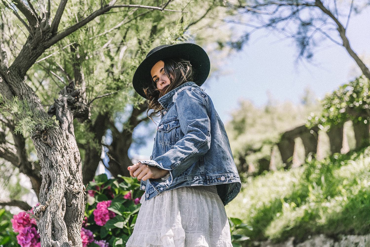 White_Outfit-Denim_Jacket-Lack_Of_Color_Hat-Outfit-Biarritz-Levis-Live_In_Levis-Street_Style-Summer-Boho_Skirt-Collage_Vintage-55
