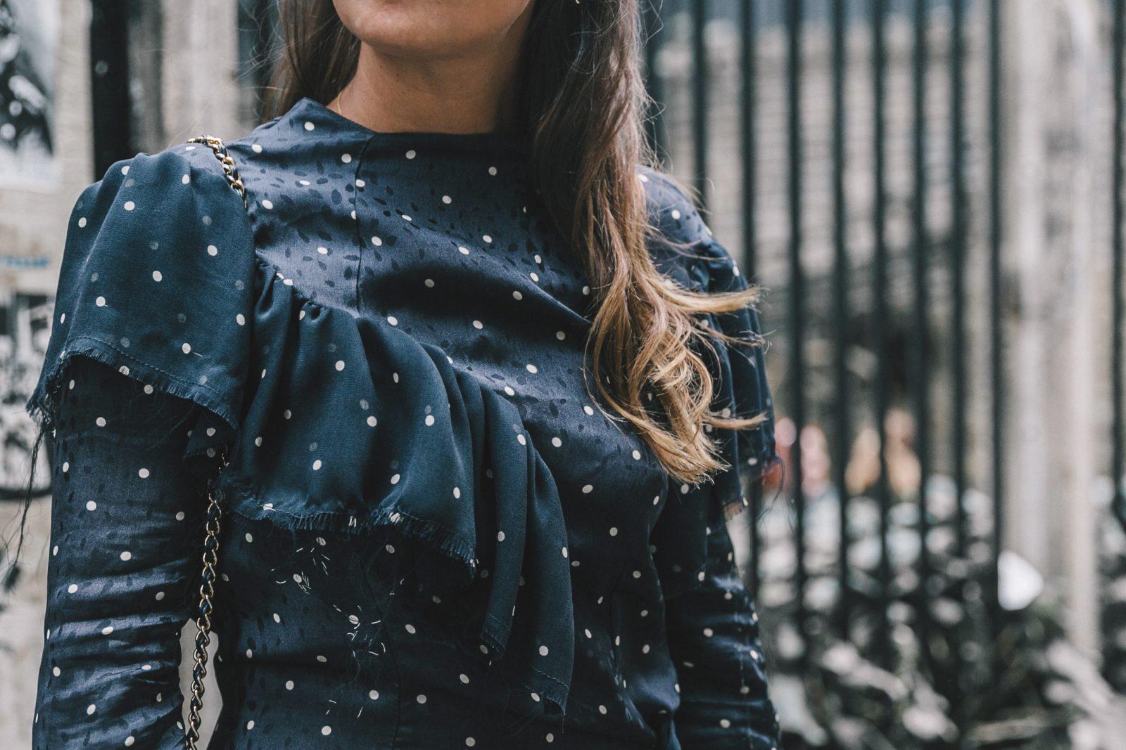 lfw-london_fashion_week_ss17-street_style-outfits-collage_vintage-vintage-topshop_unique-polka_dot_dress-white_mules-topshop_boutique-adenorah-33