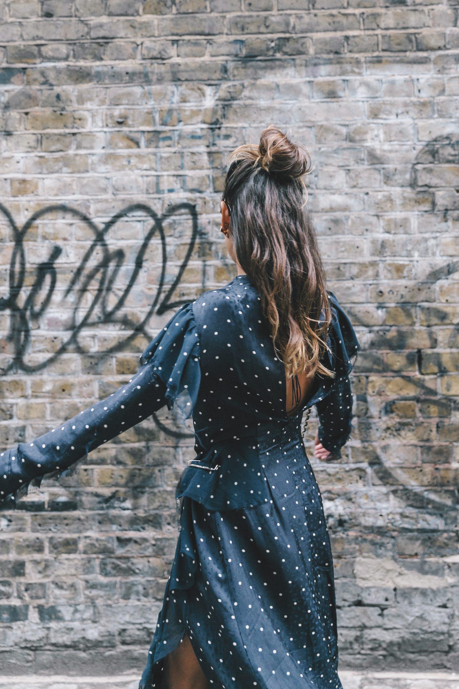 lfw-london_fashion_week_ss17-street_style-outfits-collage_vintage-vintage-topshop_unique-polka_dot_dress-white_mules-topshop_boutique-adenorah-4