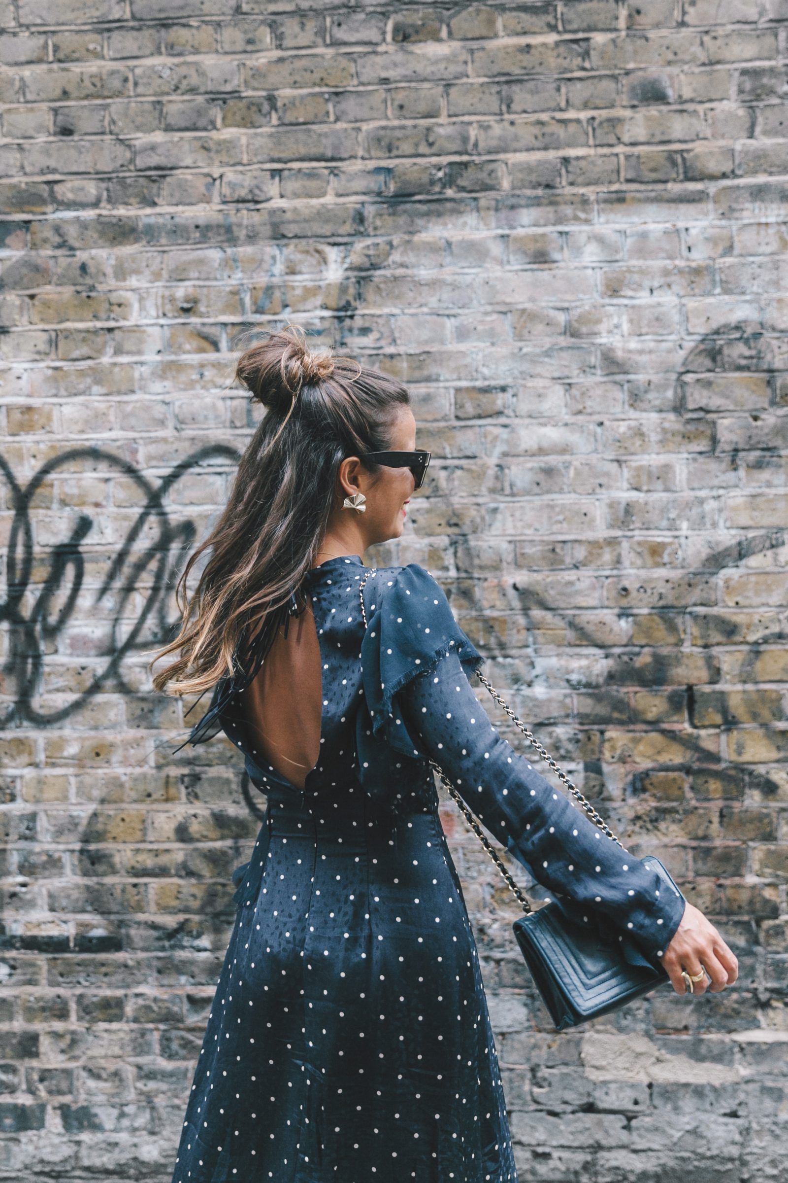 lfw-london_fashion_week_ss17-street_style-outfits-collage_vintage-vintage-topshop_unique-polka_dot_dress-white_mules-topshop_boutique-adenorah-5