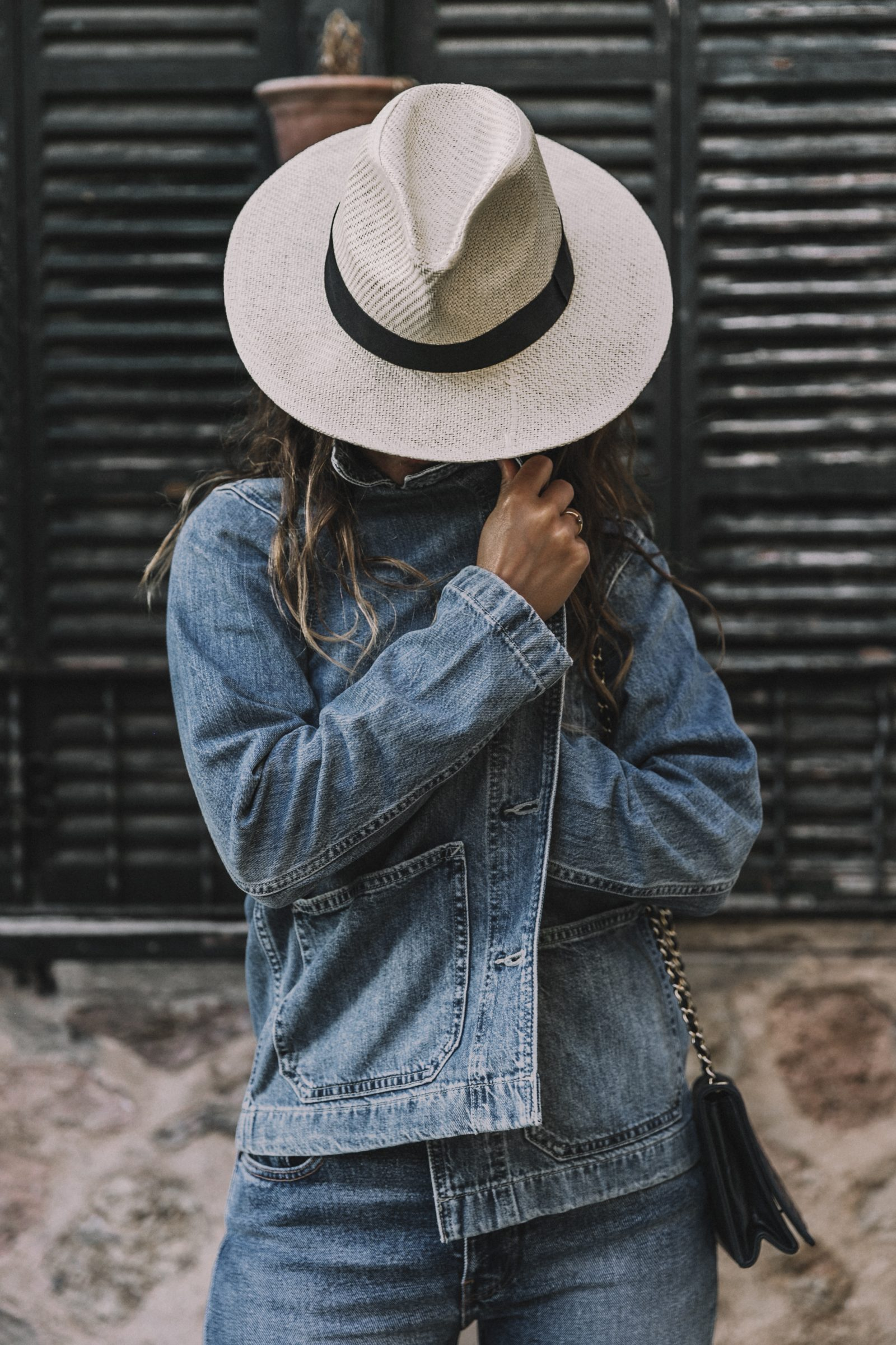 Live_in_Levis-Denim-Who_What_Wear-Levis-Denim-Double_Denim-Menorca-Street_Style-Collage_Vintage-141