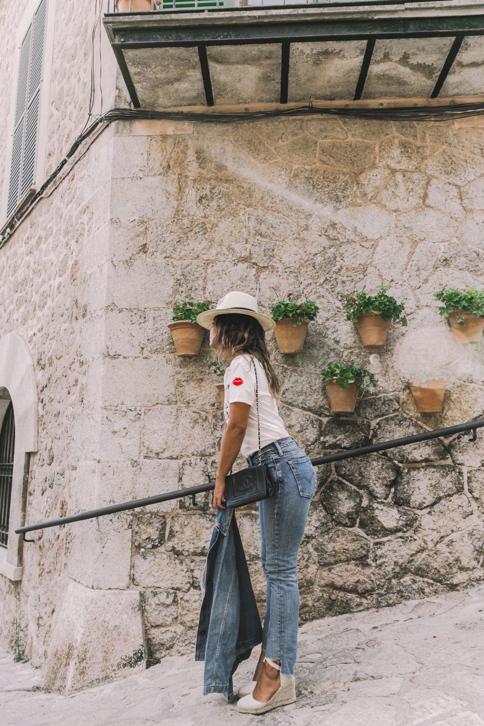 Live_in_Levis-Denim-Who_What_Wear-Levis-Denim-Double_Denim-Menorca-Street_Style-Collage_Vintage-64