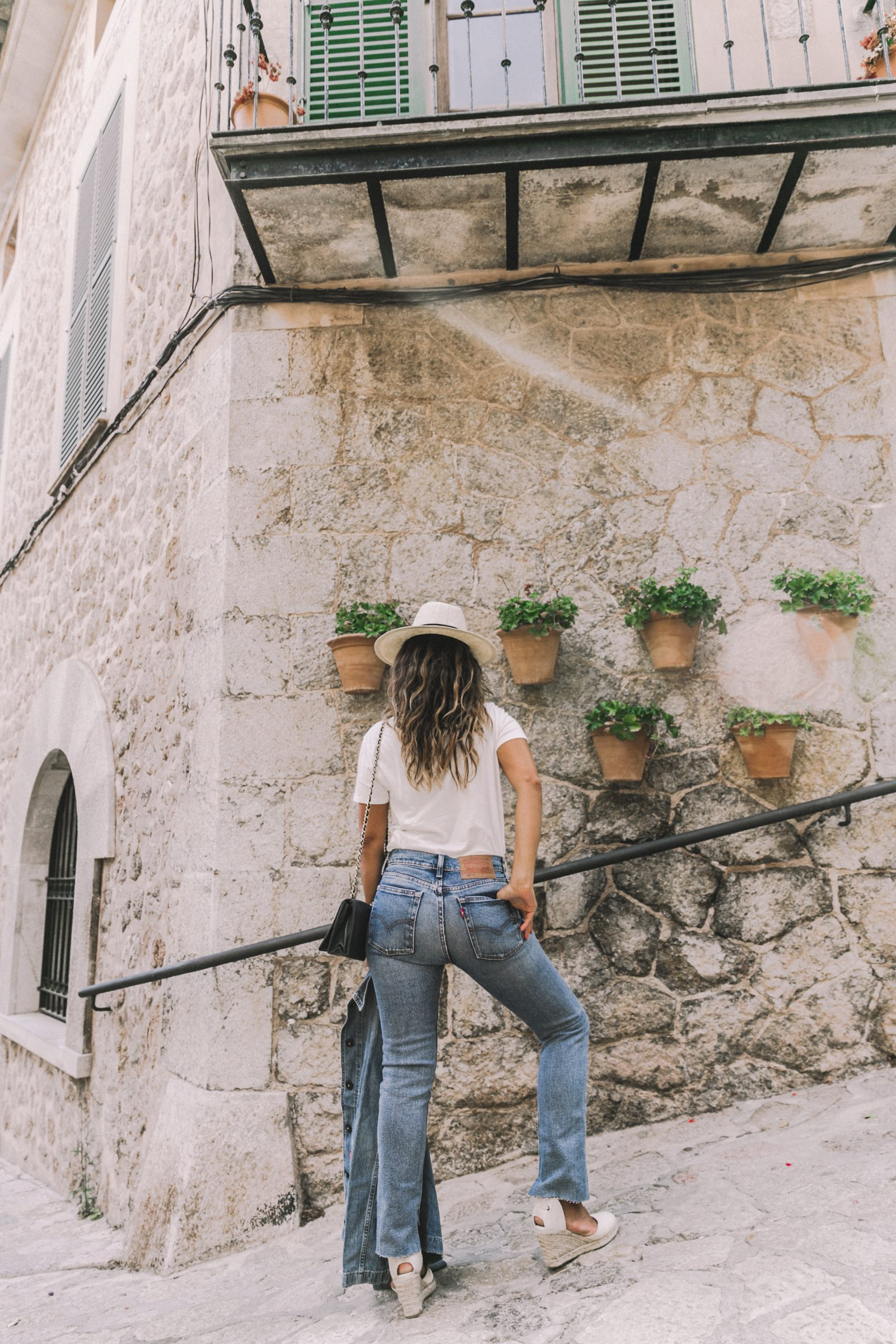 Live_in_Levis-Denim-Who_What_Wear-Levis-Denim-Double_Denim-Menorca-Street_Style-Collage_Vintage-66