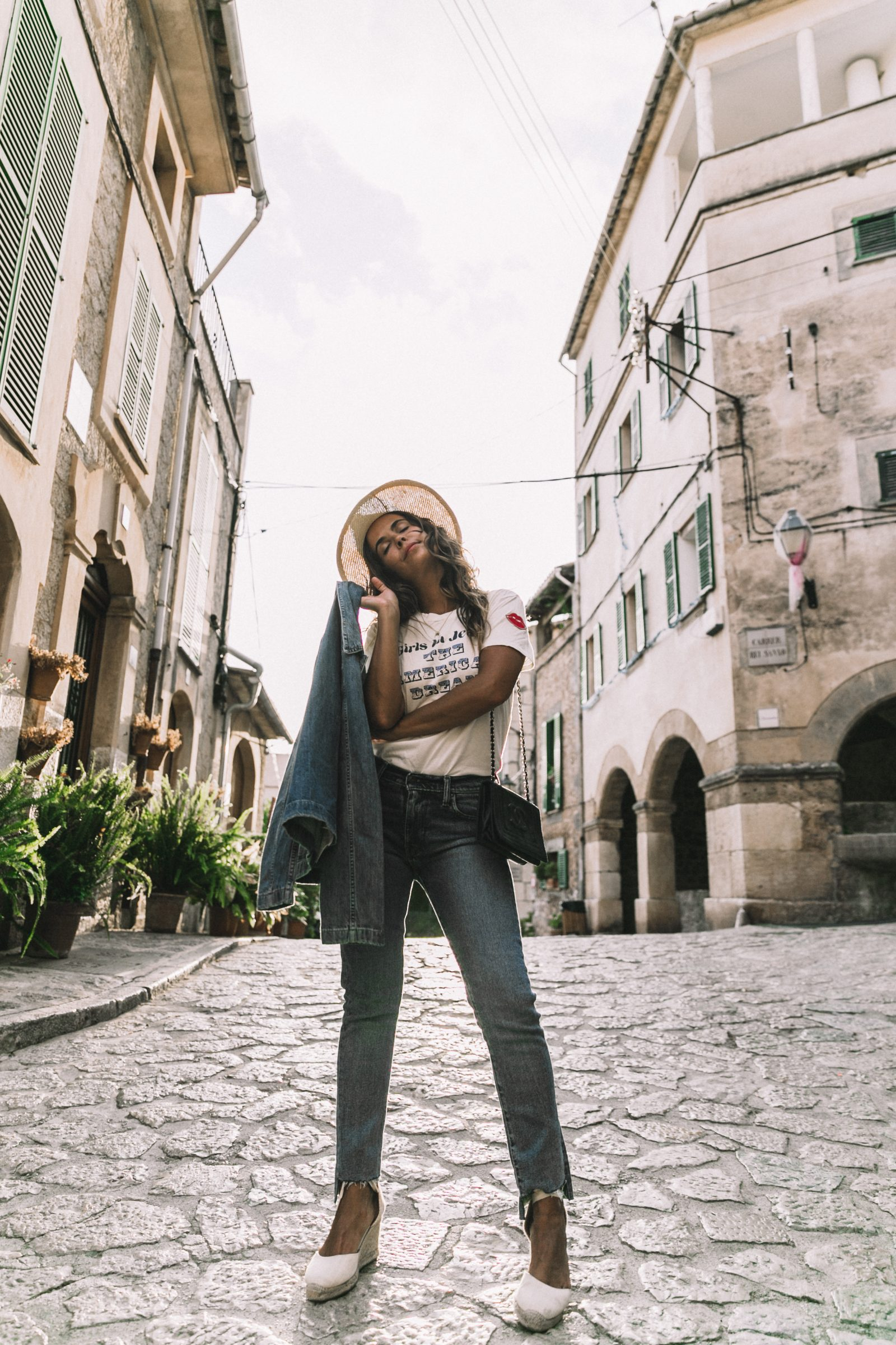 Live_in_Levis-Denim-Who_What_Wear-Levis-Denim-Double_Denim-Menorca-Street_Style-Collage_Vintage-76