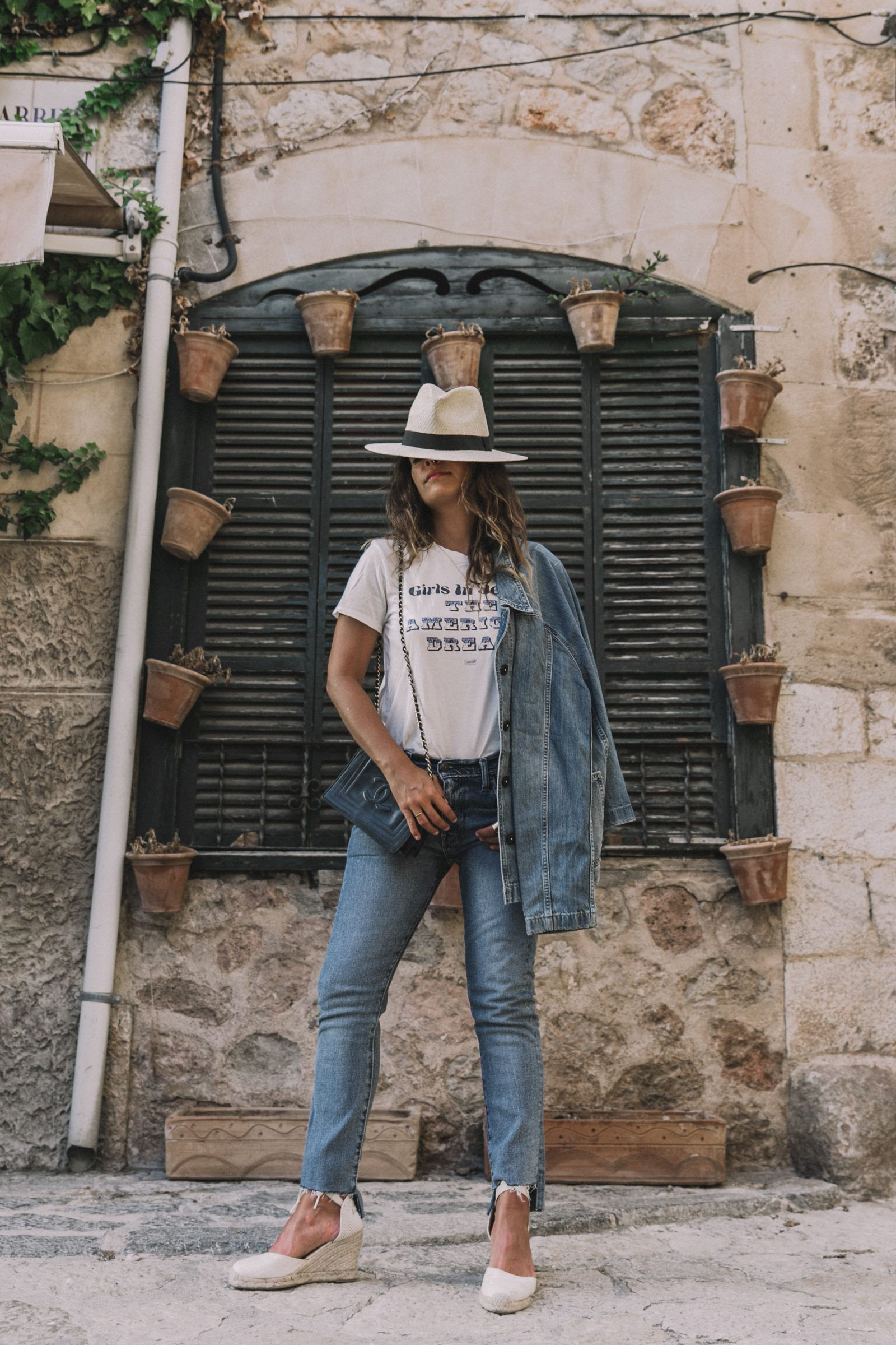 Live_in_Levis-Denim-Who_What_Wear-Levis-Denim-Double_Denim-Menorca-Street_Style-Collage_Vintage-92
