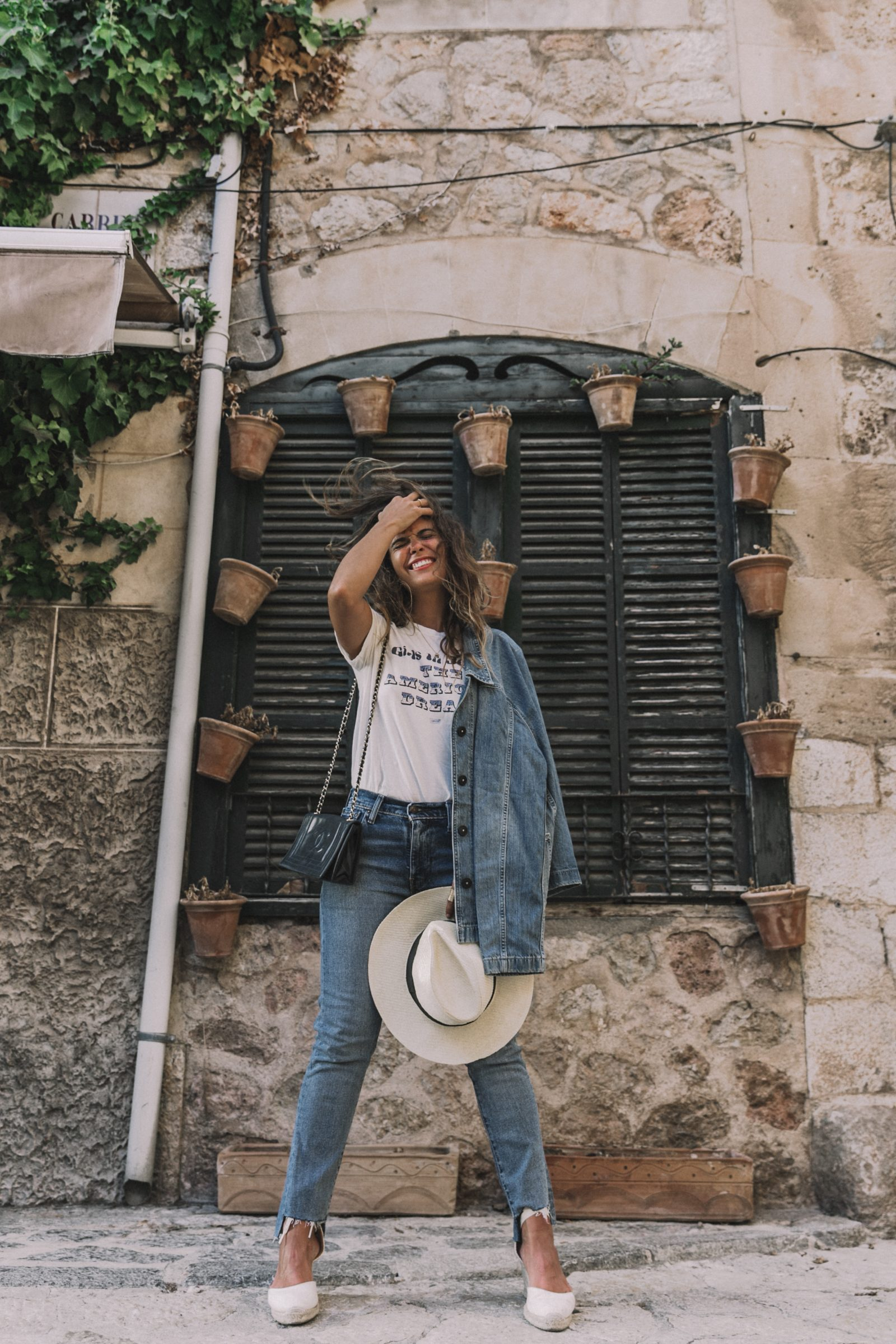 Live_in_Levis-Denim-Who_What_Wear-Levis-Denim-Double_Denim-Menorca-Street_Style-Collage_Vintage-94