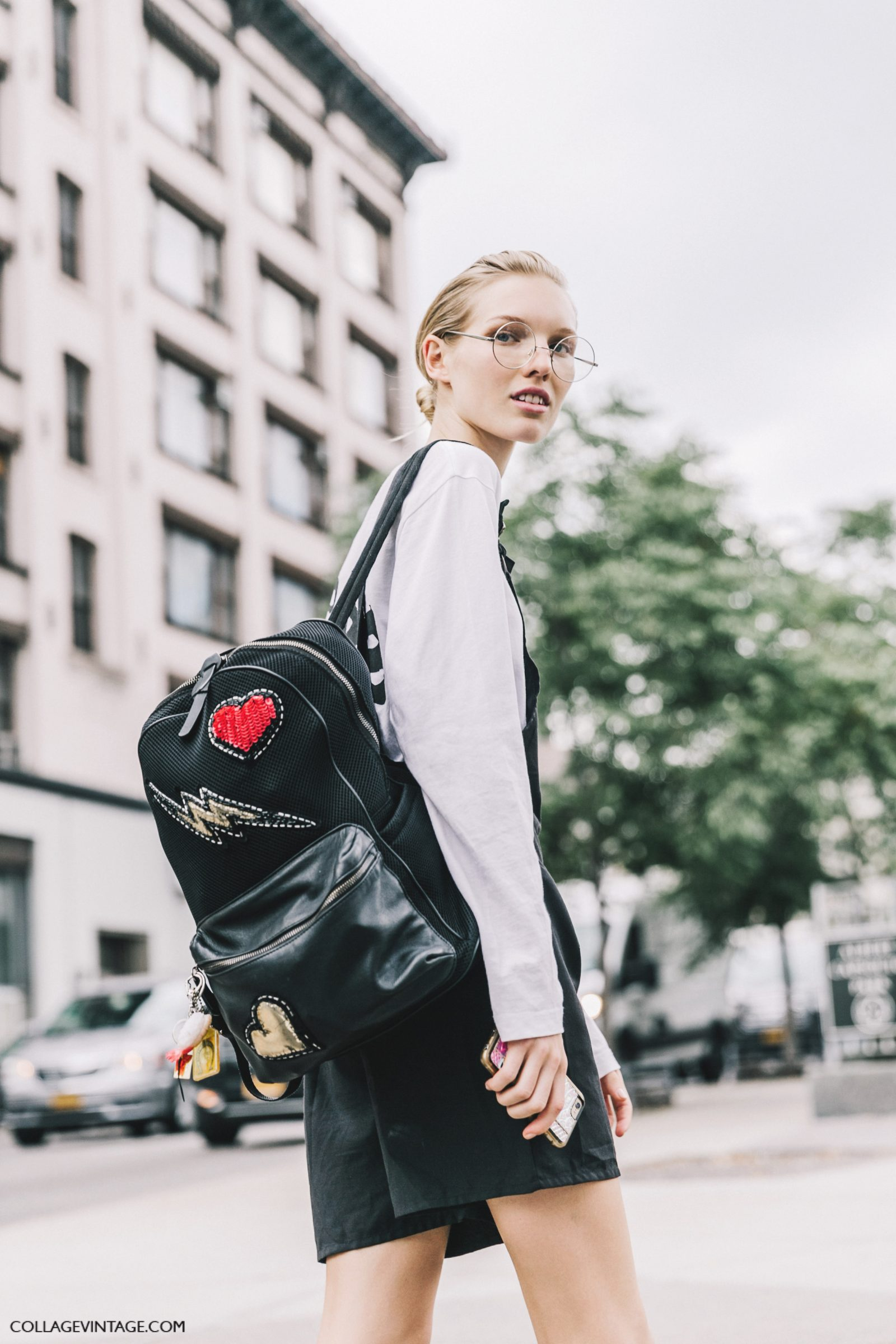 nyfw-new_york_fashion_week_ss17-street_style-outfits-collage_vintage-backpack-rouded_glosses-2