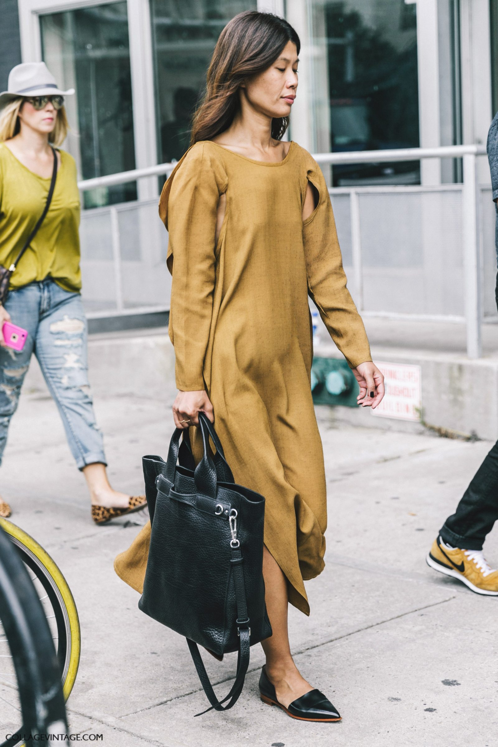 nyfw-new_york_fashion_week_ss17-street_style-outfits-collage_vintage-mustard_dress-shopper_bag-1