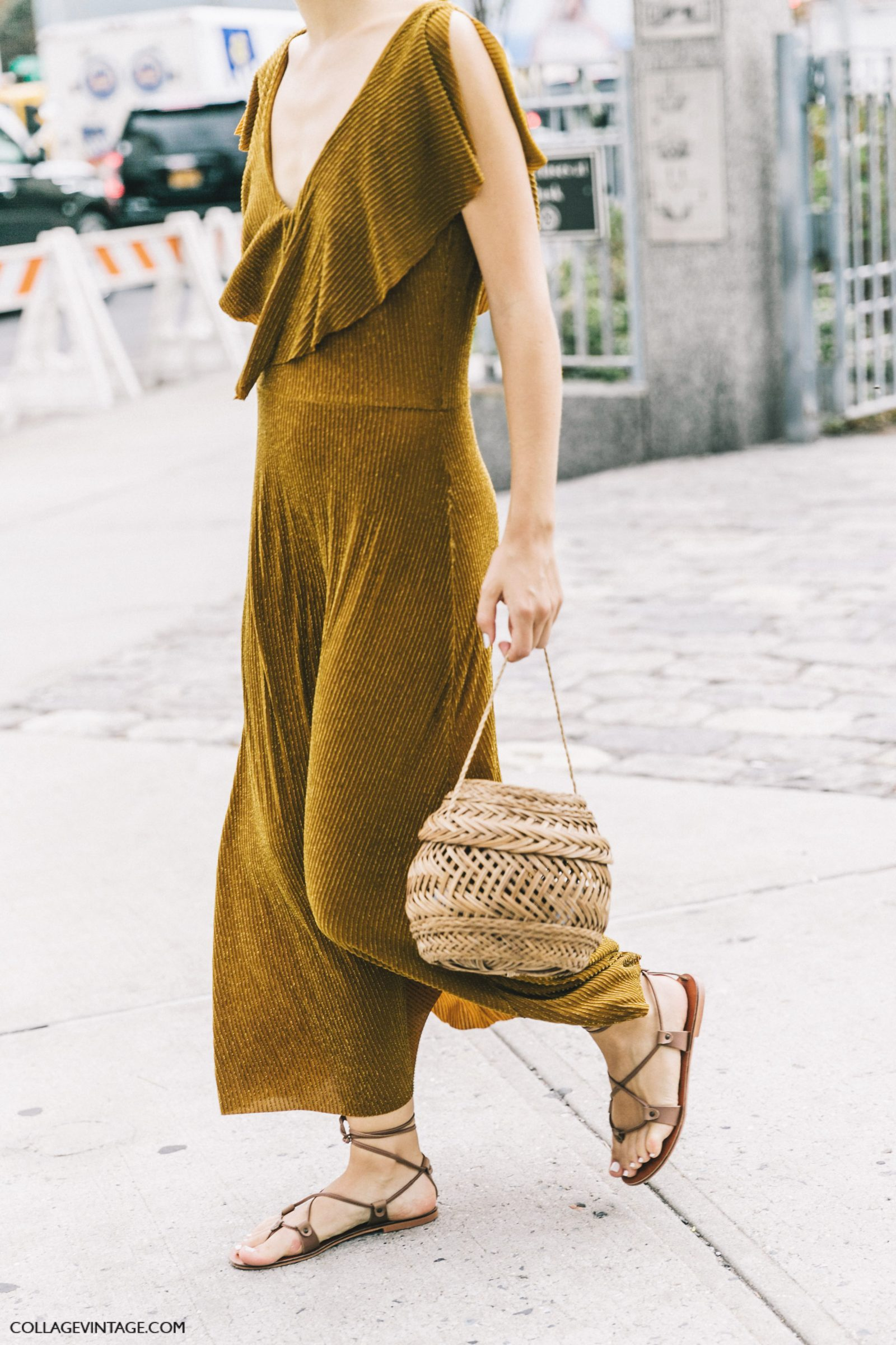 nyfw-new_york_fashion_week_ss17-street_style-outfits-collage_vintage-zara_dress-basket-knotted_sandals-jenny_walton-1