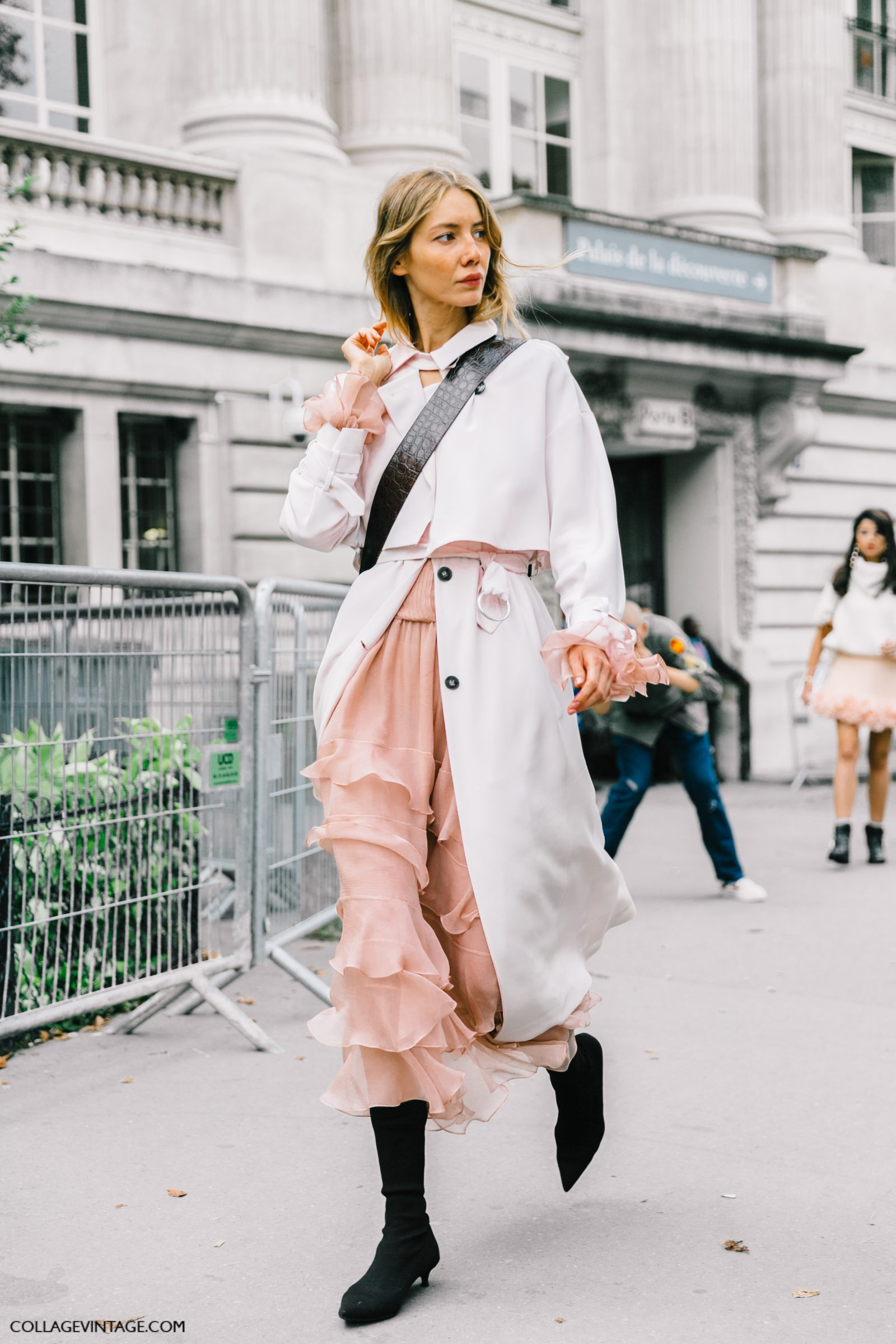 pfw-paris_fashion_week_ss17-street_style-outfits-collage_vintage-chloe-carven-balmain-barbara_bui-31