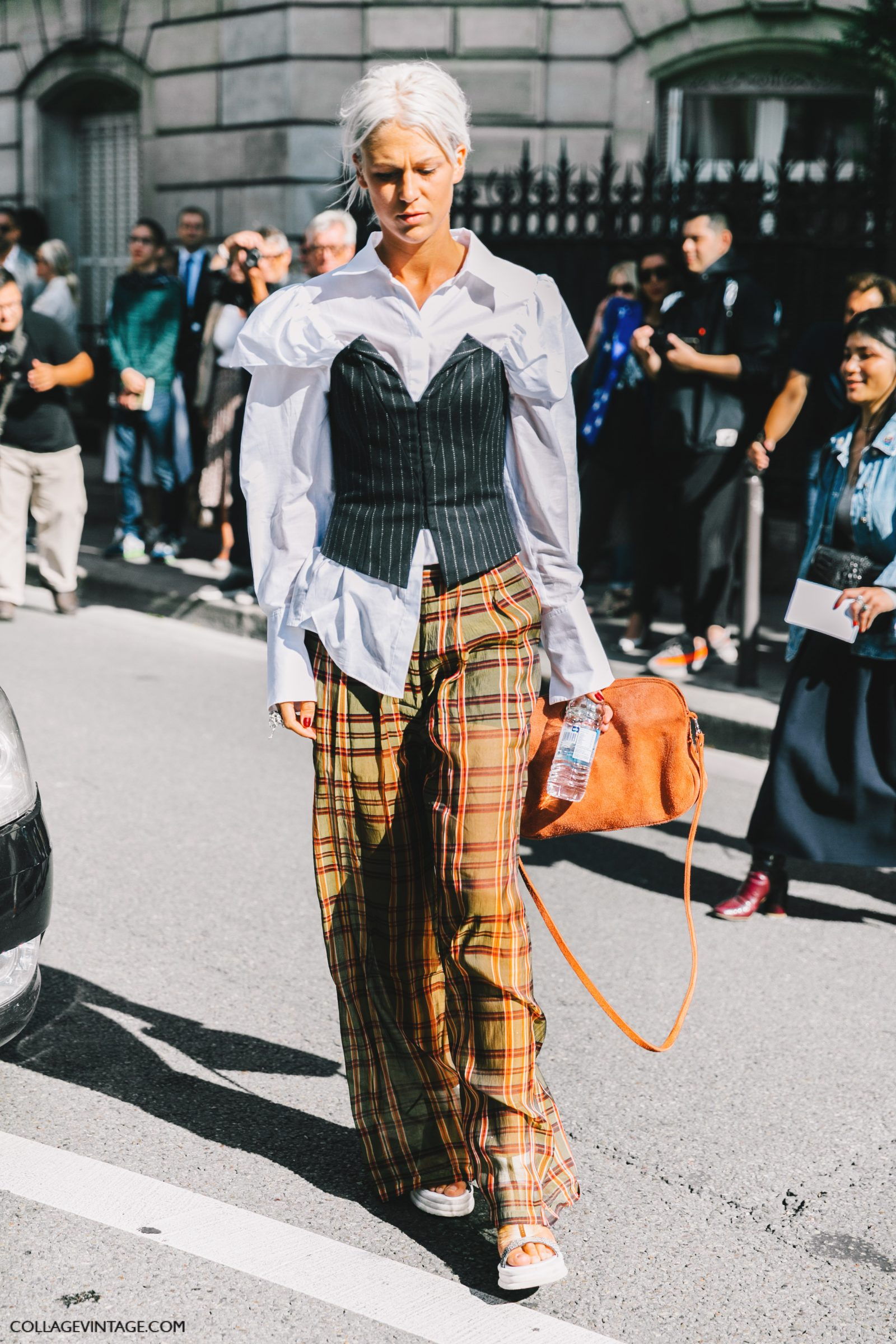 pfw-paris_fashion_week_ss17-street_style-outfits-collage_vintage-rochas-courreges-dries_van_noten-lanvin-guy_laroche-159