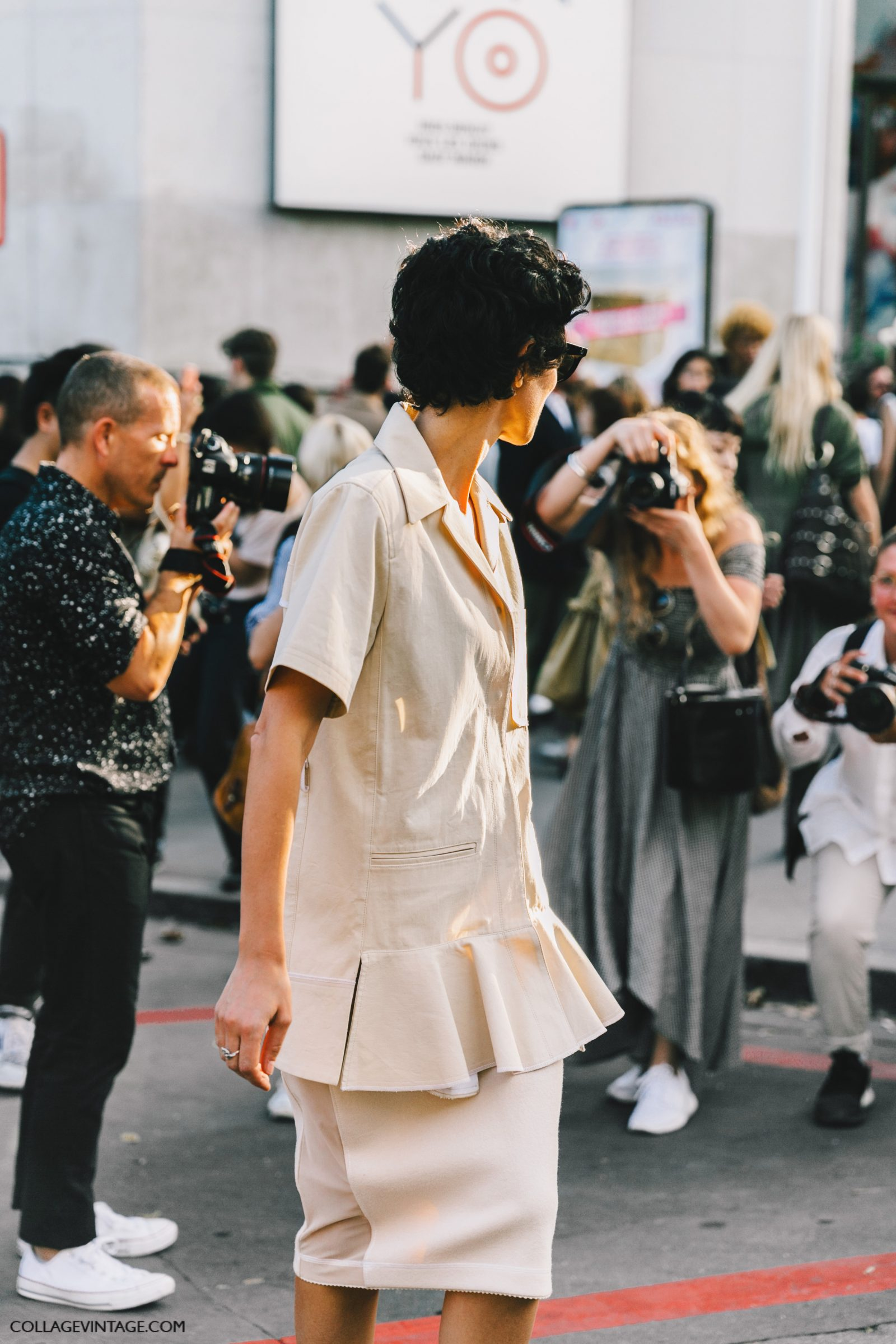 pfw-paris_fashion_week_ss17-street_style-outfits-collage_vintage-rochas-courreges-dries_van_noten-lanvin-guy_laroche-216