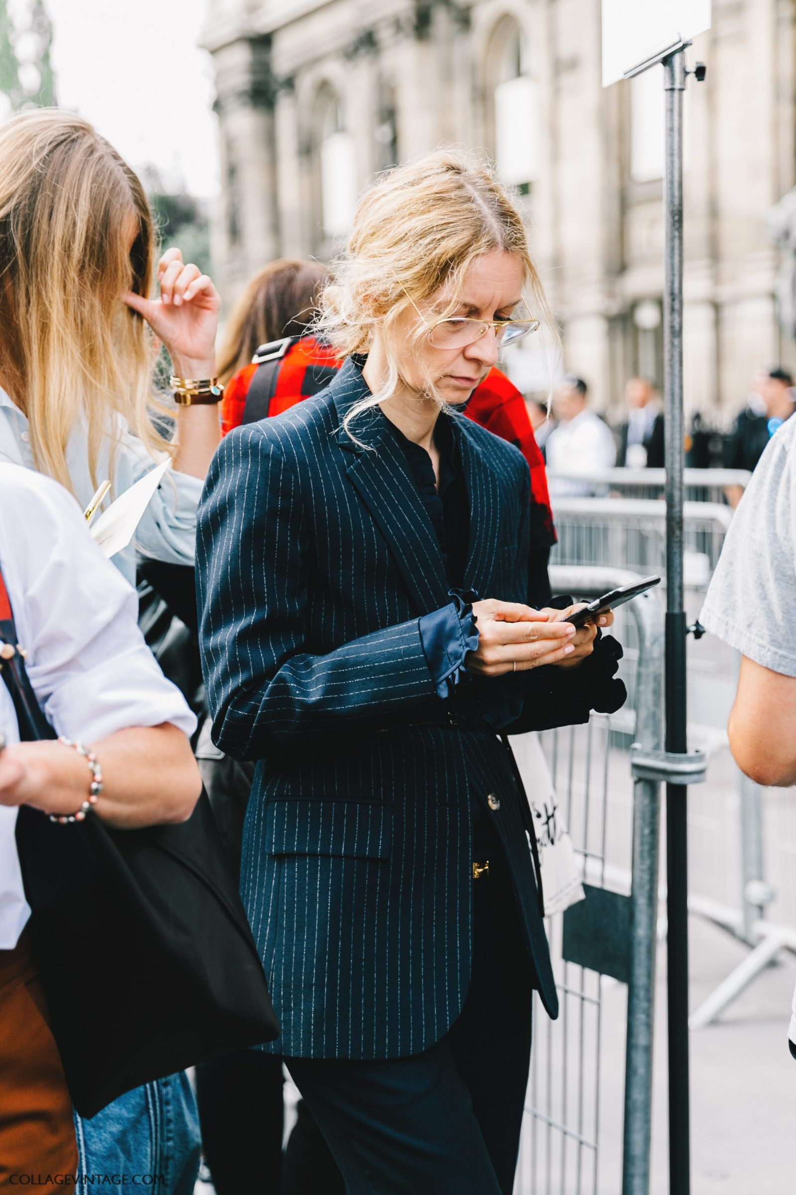 pfw-paris_fashion_week_ss17-street_style-outfits-collage_vintage-rochas-courreges-dries_van_noten-lanvin-guy_laroche-87
