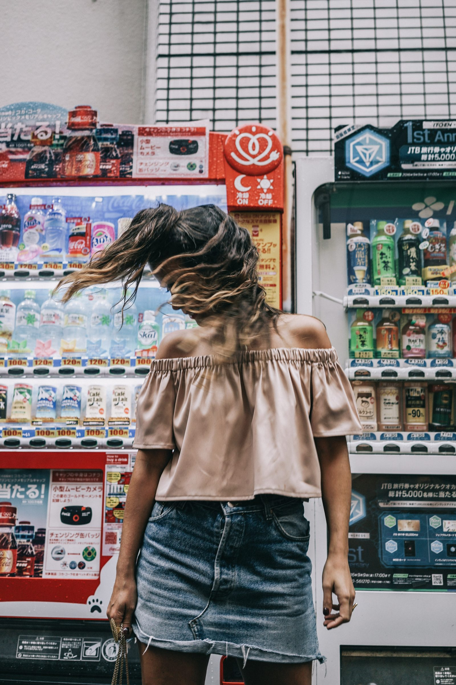 Tokyo_Travel_Guide-Fish_Market-Harajuku-Levis_Denim_Skirt-Off_The_Shoulders_Top-YSL_Sneakers-Outfit-Collage_Vintage-Street_Style-127