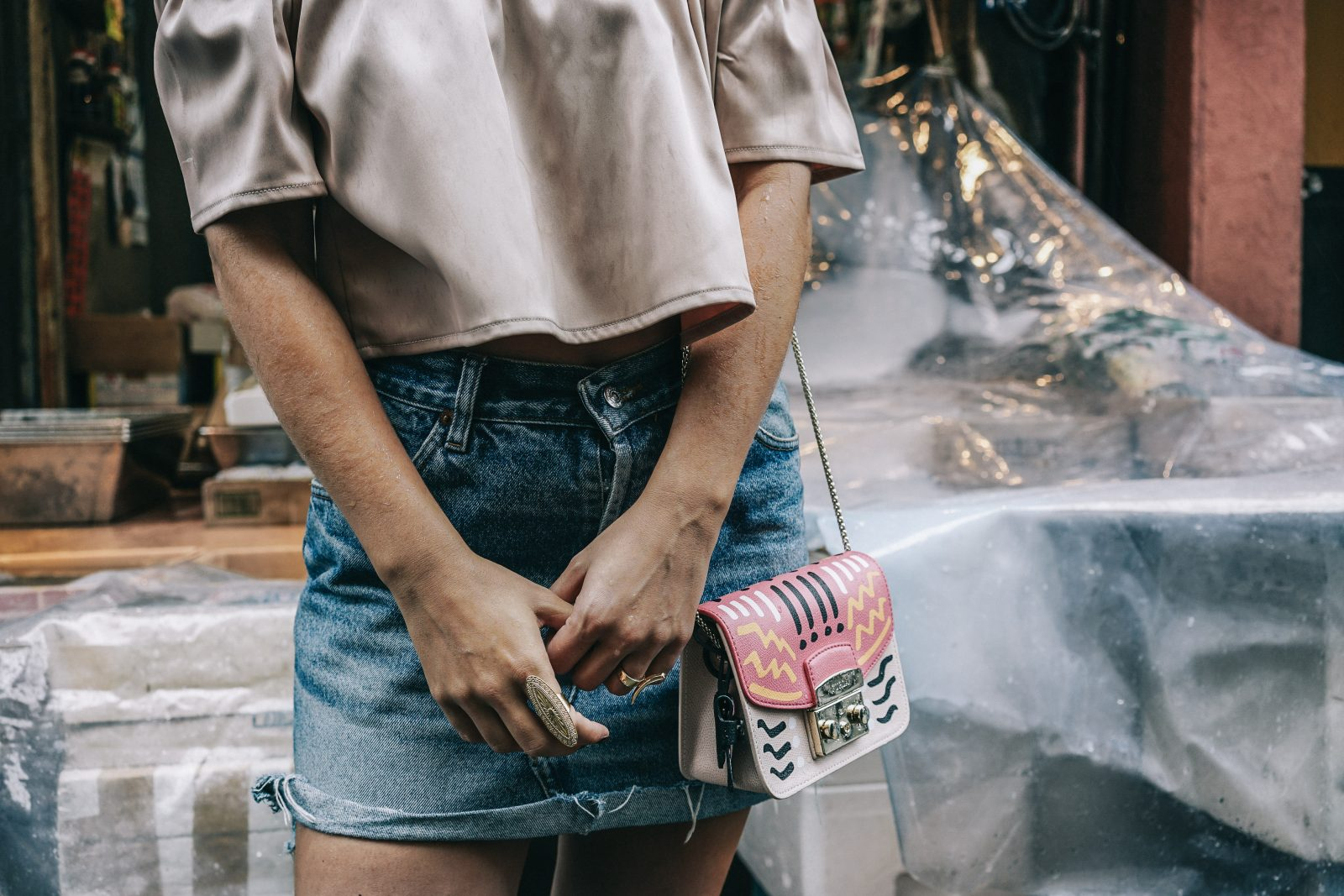 Tokyo_Travel_Guide-Fish_Market-Harajuku-Levis_Denim_Skirt-Off_The_Shoulders_Top-YSL_Sneakers-Outfit-Collage_Vintage-Street_Style-86