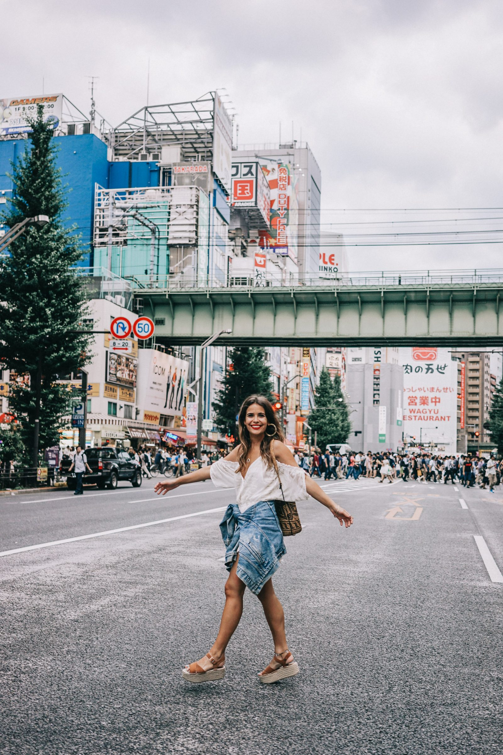 tokyo_travel_guide-outfit-collage_vintage-street_style-lovers_and_friends_jumpsuit-white_outfit-espadrilles-backpack-levis_denim_jacket-akihabara-121