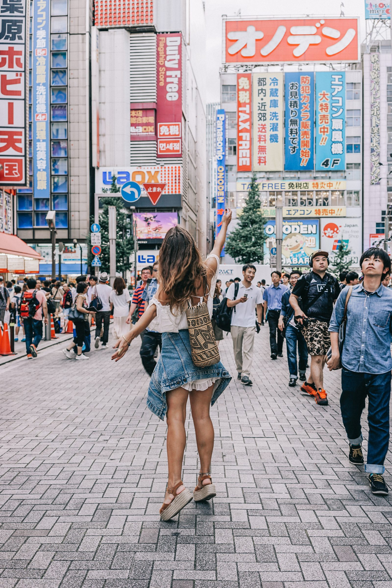 tokyo_travel_guide-outfit-collage_vintage-street_style-lovers_and_friends_jumpsuit-white_outfit-espadrilles-backpack-levis_denim_jacket-akihabara-155