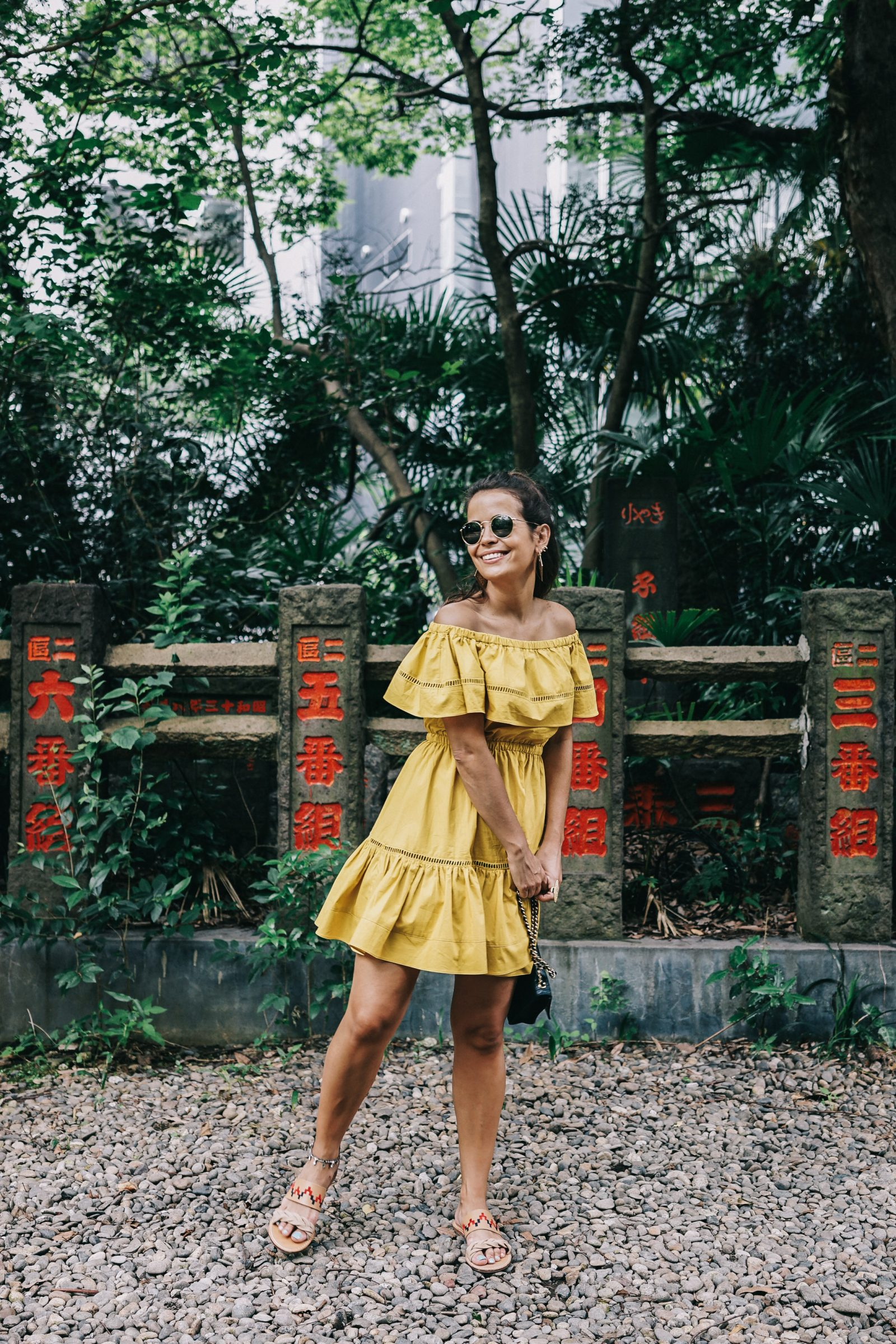 tokyo_travel_guide-outfit-collage_vintage-street_style-off_the_shoulders_dress-mustard_dress-soludos_sandals-chanel_vintage-bag-vintage_stores-25