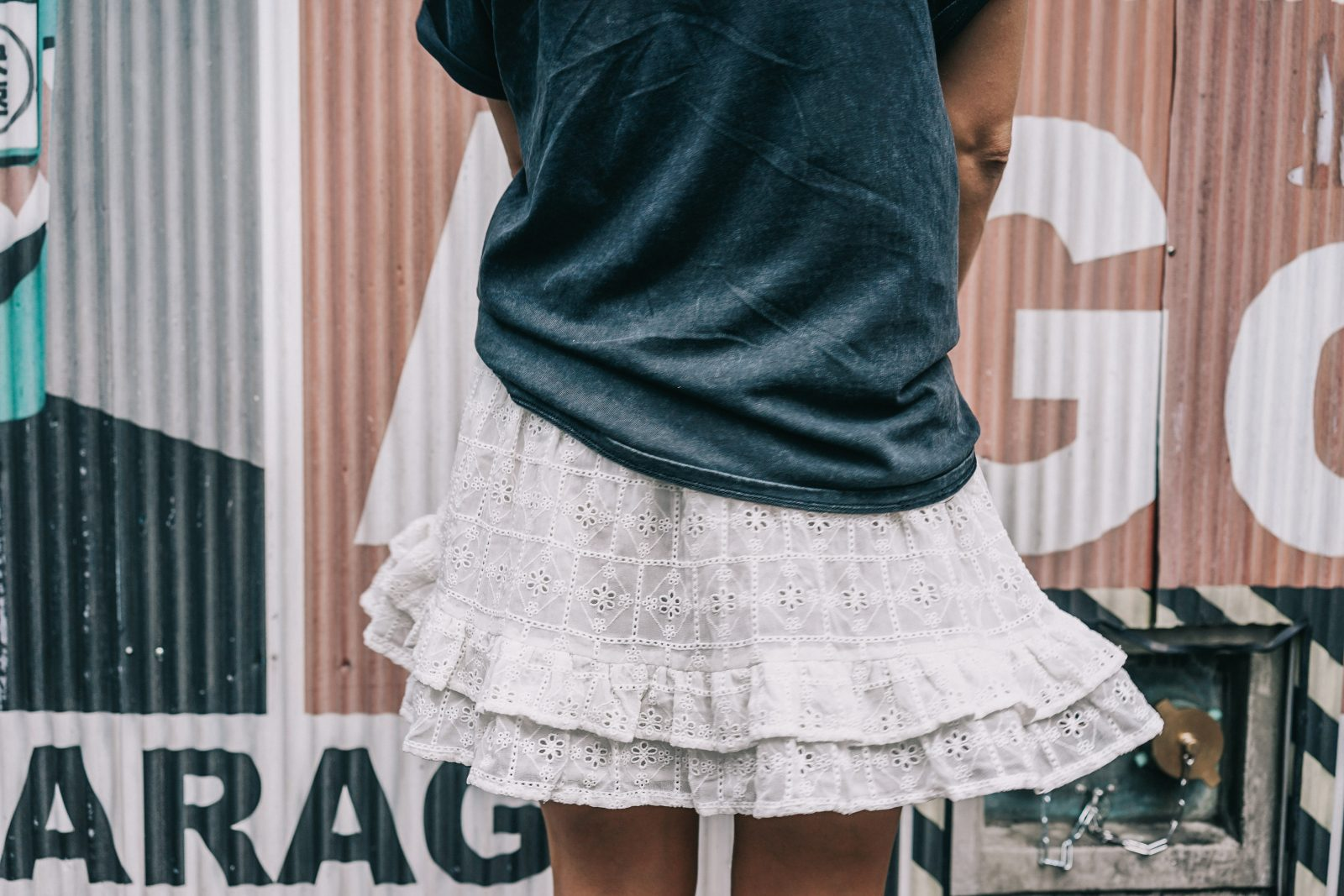 Tokyo_Travel_Guide-Outfit-Collage_Vintage-Street_Style-Top_Mettalica-Brandy_Melville-White_Skirt-Chanel_Vintage-Sneakers-21