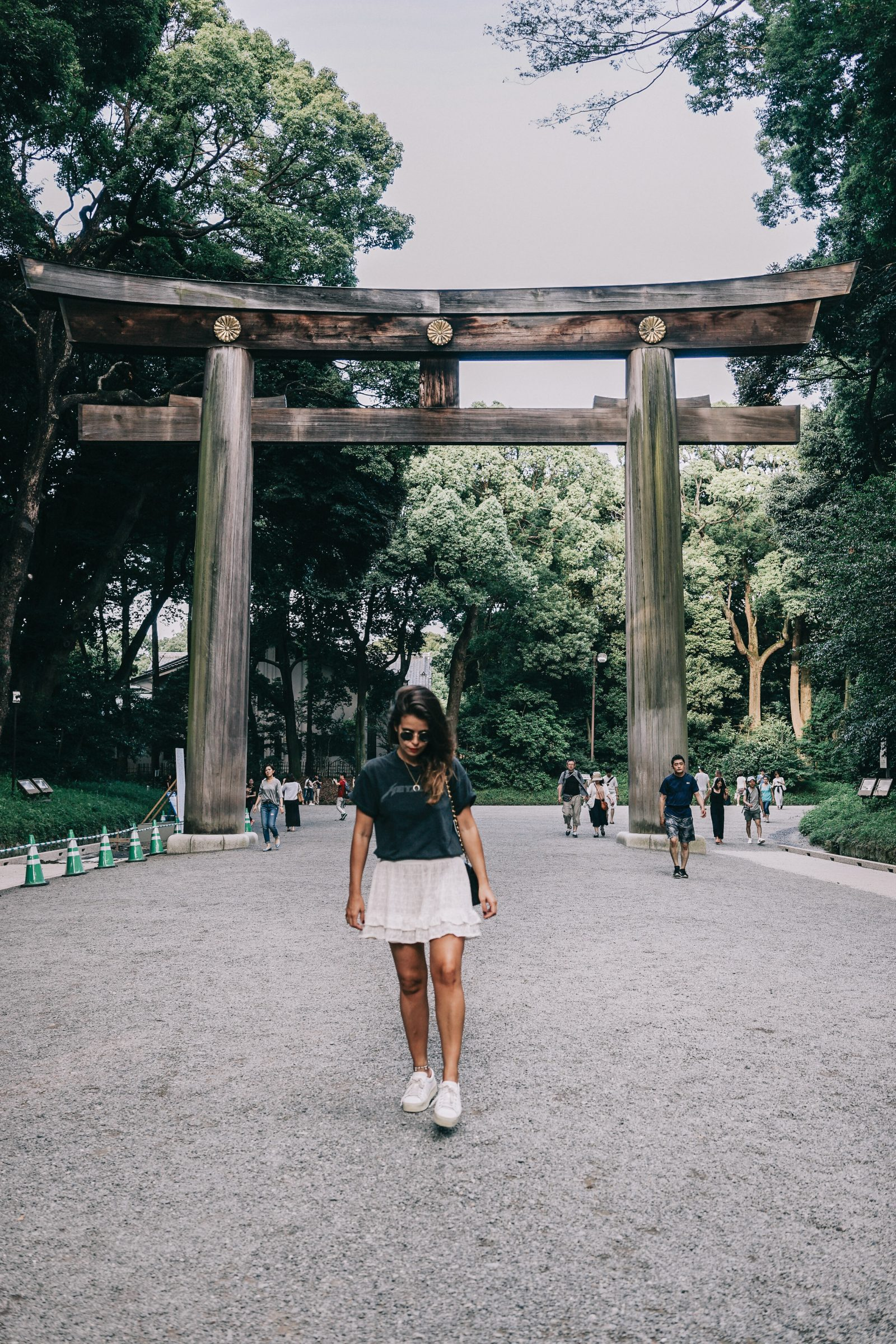 Tokyo_Travel_Guide-Outfit-Collage_Vintage-Street_Style-Top_Mettalica-Brandy_Melville-White_Skirt-Chanel_Vintage-Sneakers-61