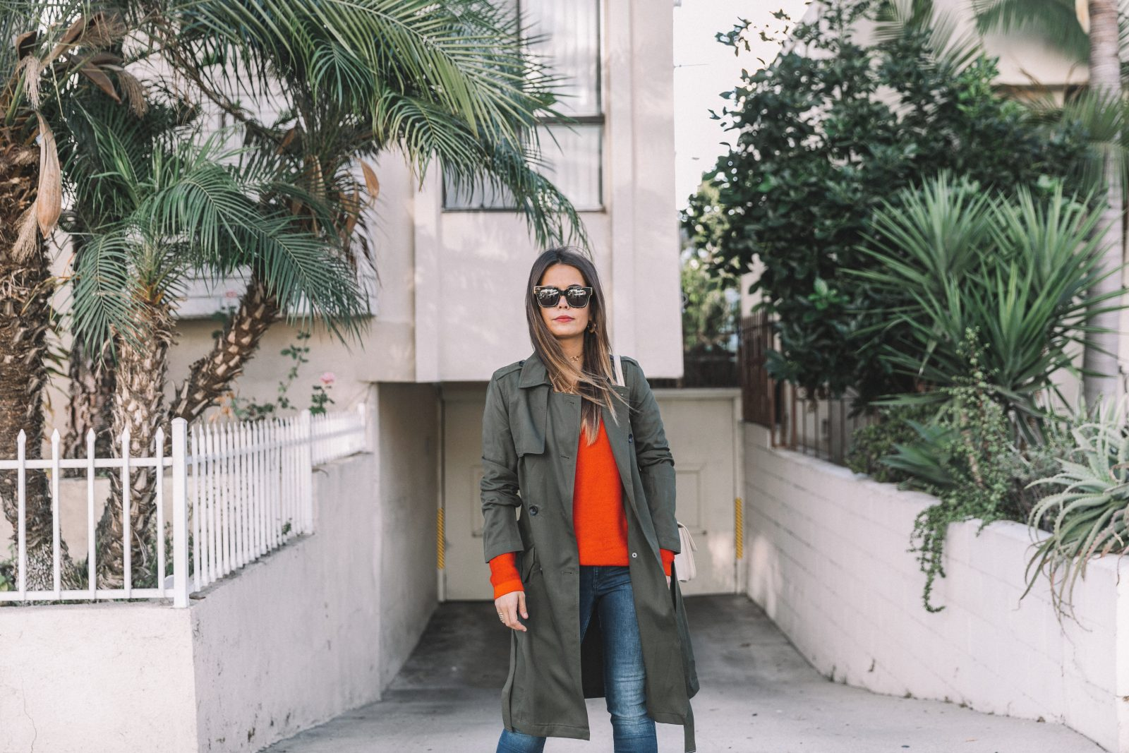 calvin_klein_outfit-ck_sculpted_jeans-denim-trench-orange_sweater-gold_shoes-celine_box_bag-outfit-street_style-los_angeles-collage_vintage
