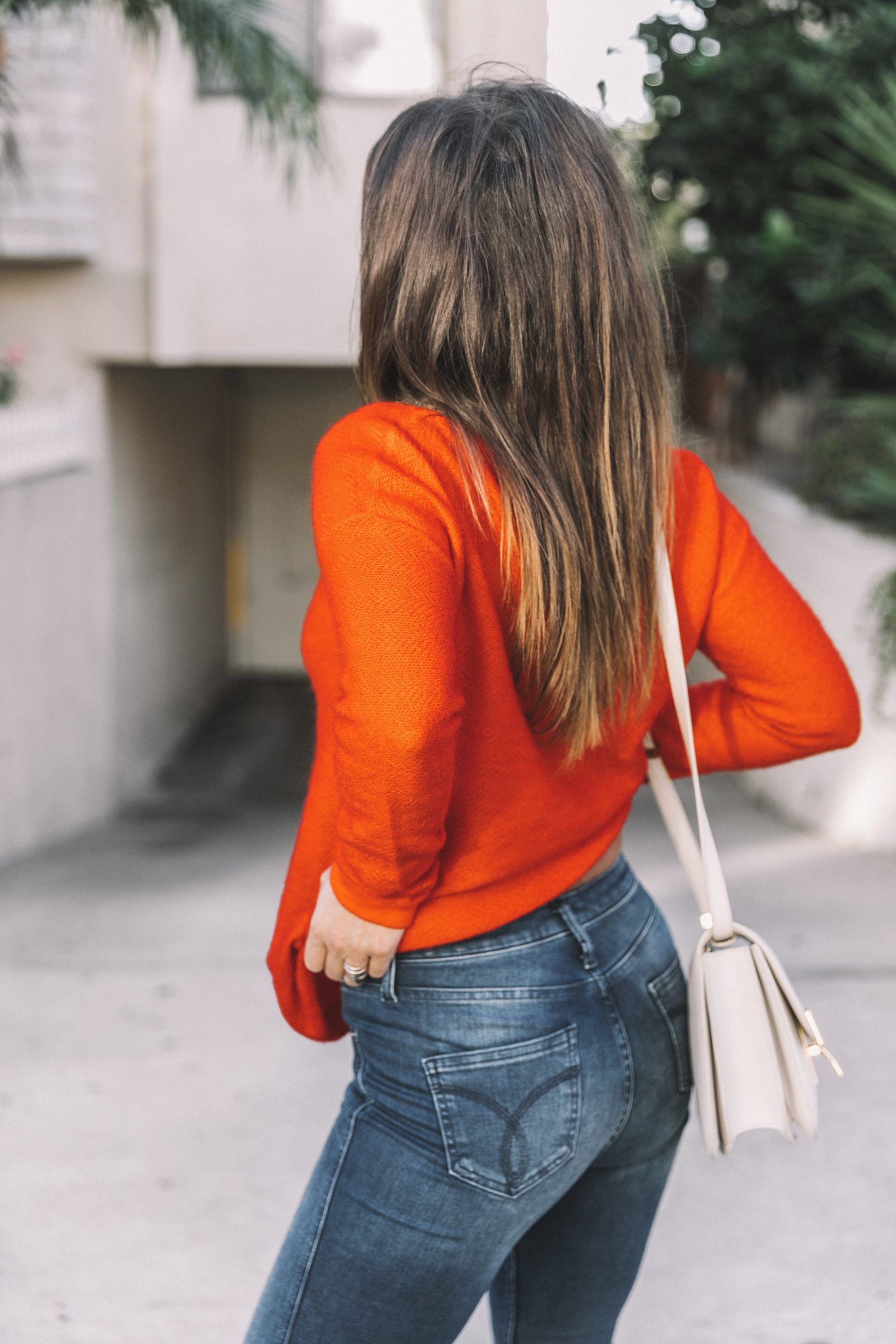 calvin_klein_outfit-ck_sculpted_jeans-denim-trench-orange_sweater-gold_shoes-celine_box_bag-outfit-street_style-los_angeles-collage_vintage-72