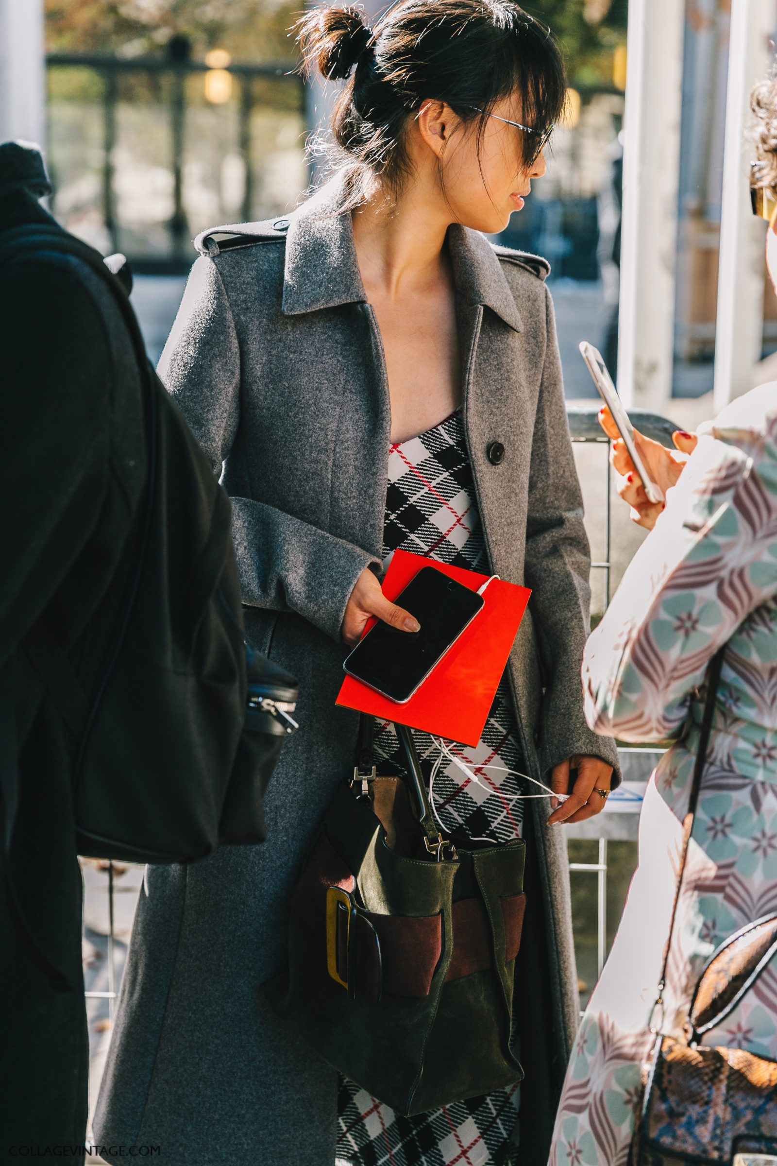 pfw-paris_fashion_week_ss17-street_style-outfit-collage_vintage-louis_vuitton-miu_miu-45