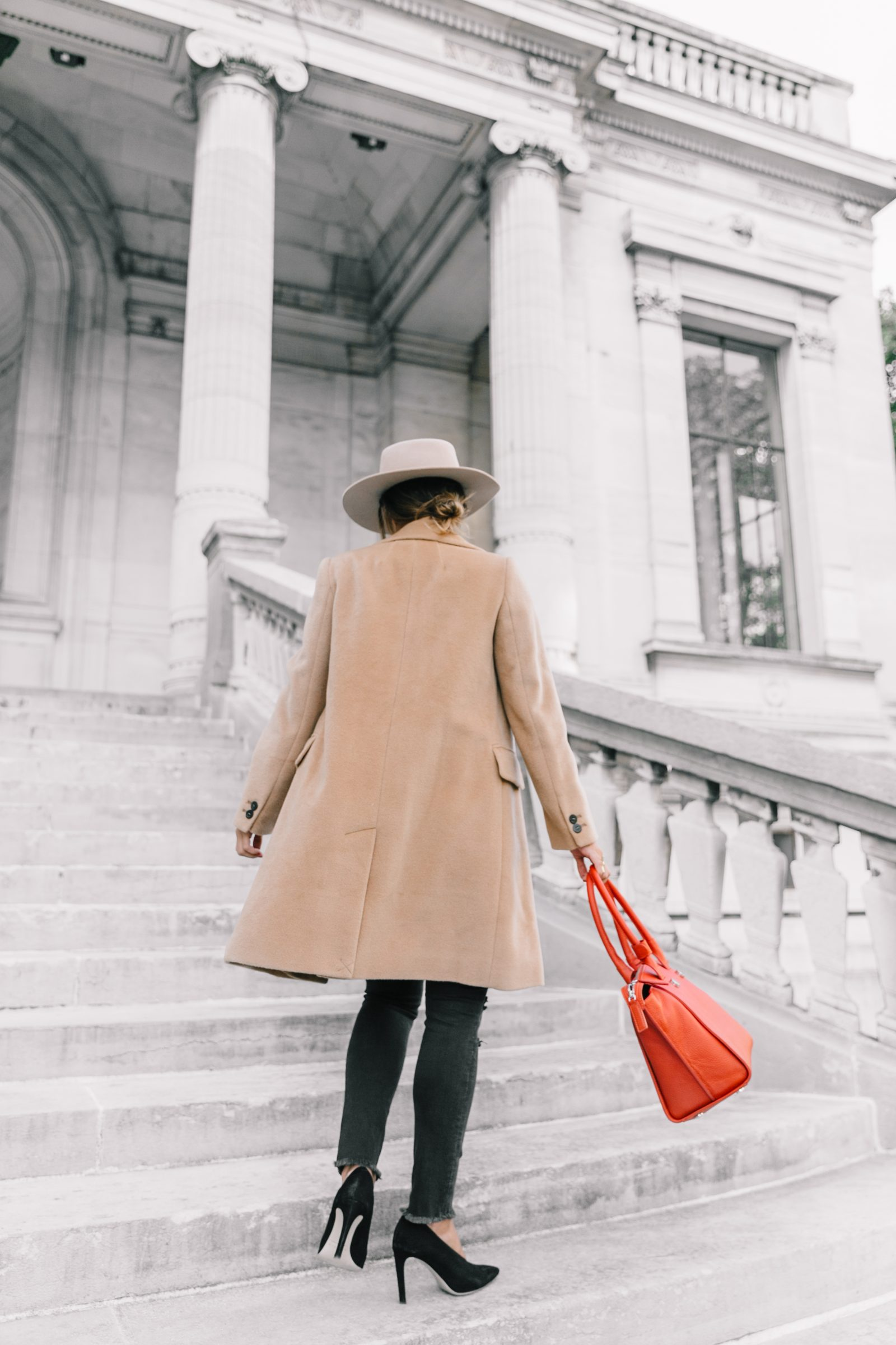 pfw-paris_fashion_week_ss17-street_style-outfits-collage_vintage-max_and_co-camel_coat-orange_bag-skinny_jeans-sandro_shoes-hat-sincerely_jules_jeans-12