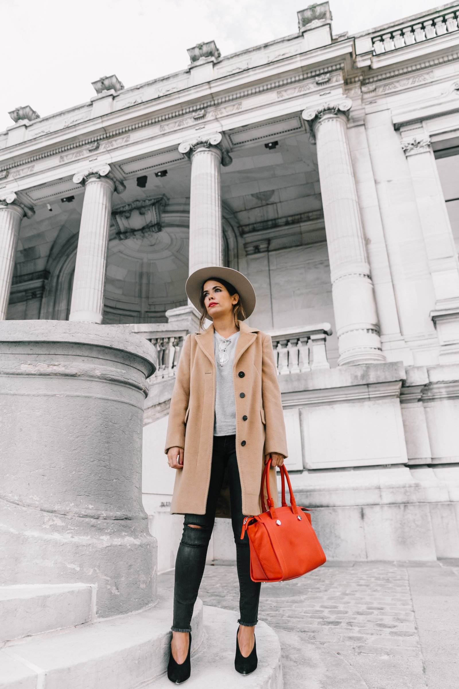 pfw-paris_fashion_week_ss17-street_style-outfits-collage_vintage-max_and_co-camel_coat-orange_bag-skinny_jeans-sandro_shoes-hat-sincerely_jules_jeans-30