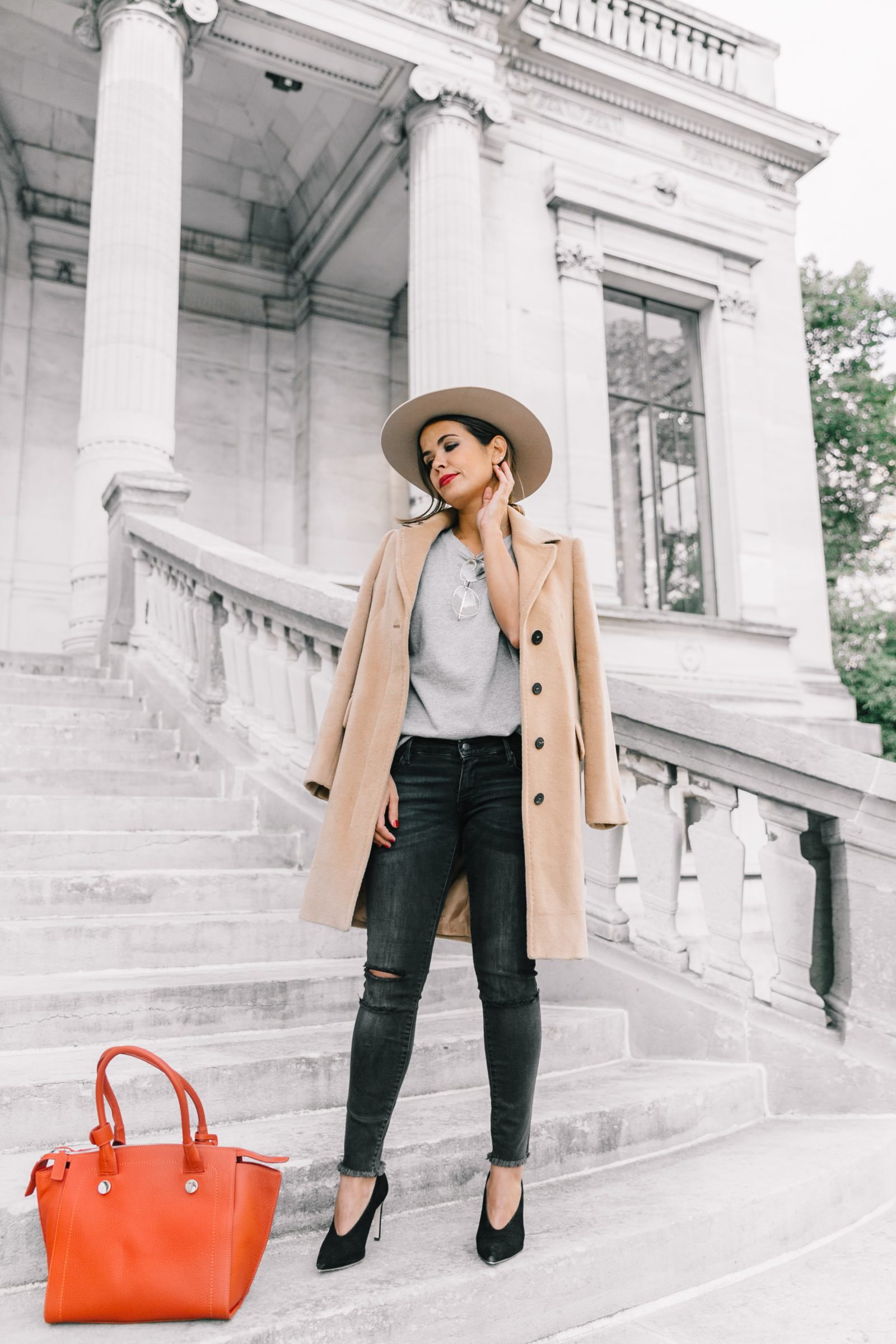 pfw-paris_fashion_week_ss17-street_style-outfits-collage_vintage-max_and_co-camel_coat-orange_bag-skinny_jeans-sandro_shoes-hat-sincerely_jules_jeans-7