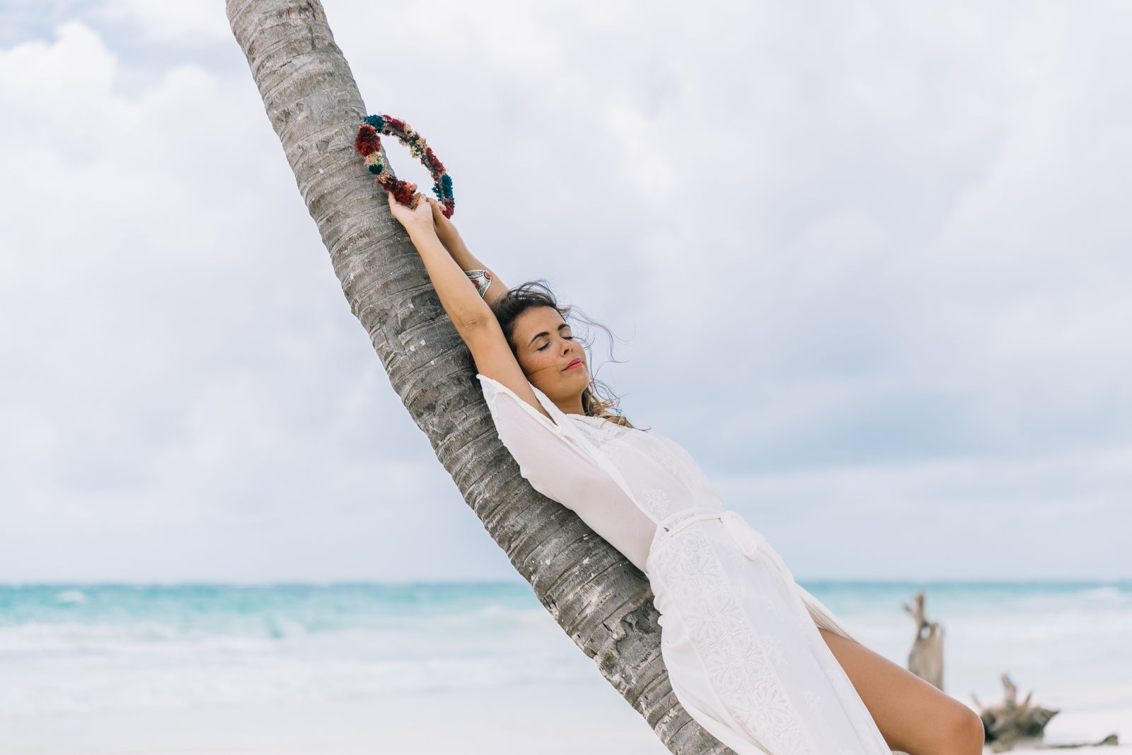 white_long_dress-boho_style-tulum_mexico-beach-floral_crown-outfit-collage_vintage-23