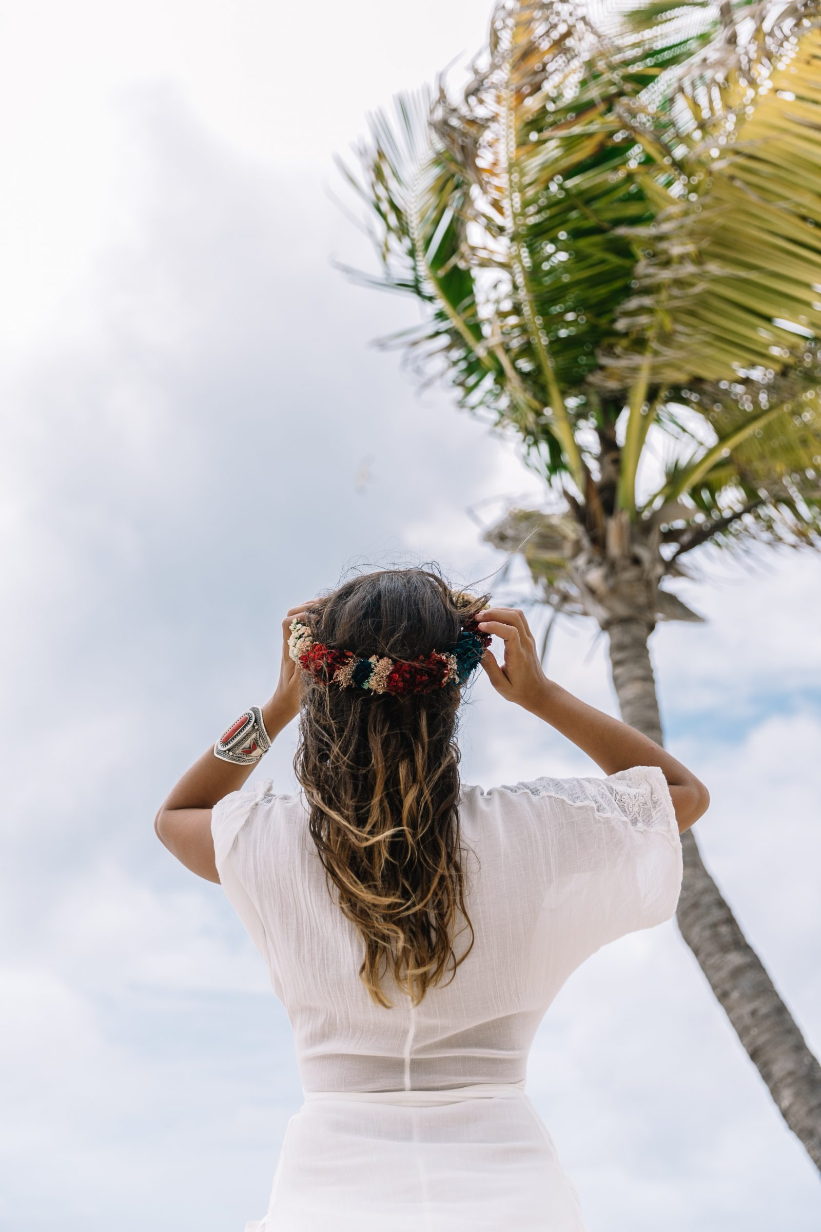 white_long_dress-boho_style-tulum_mexico-beach-floral_crown-outfit-collage_vintage-33